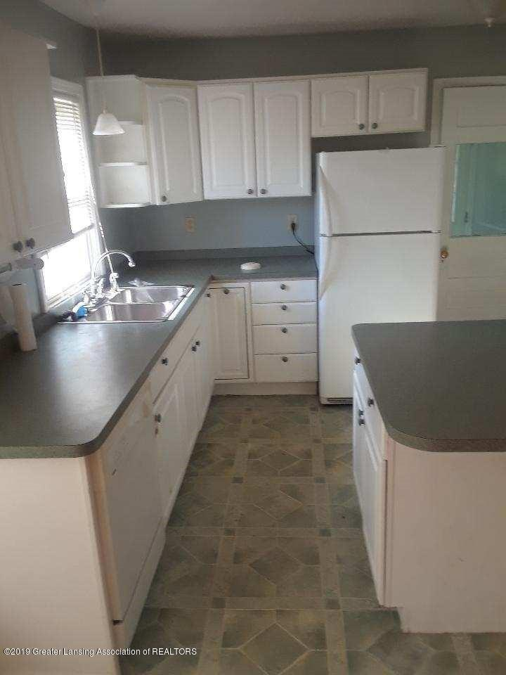 724 E Cavanaugh Rd - kitchen 2 - 7