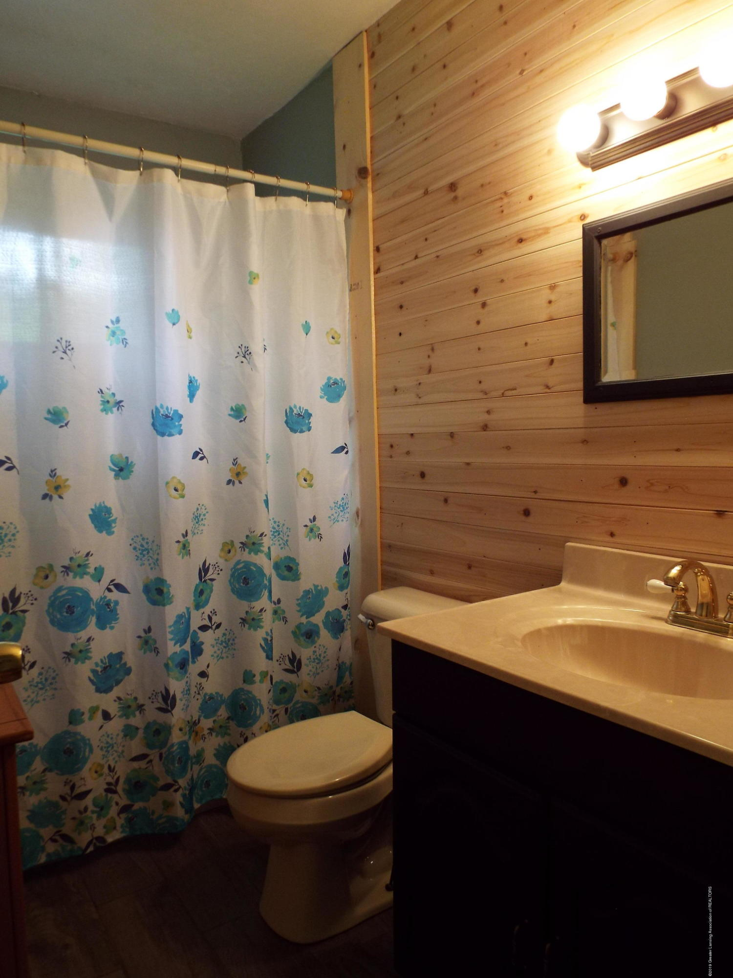 3700 Wedgewood Dr - Bathroom - 10