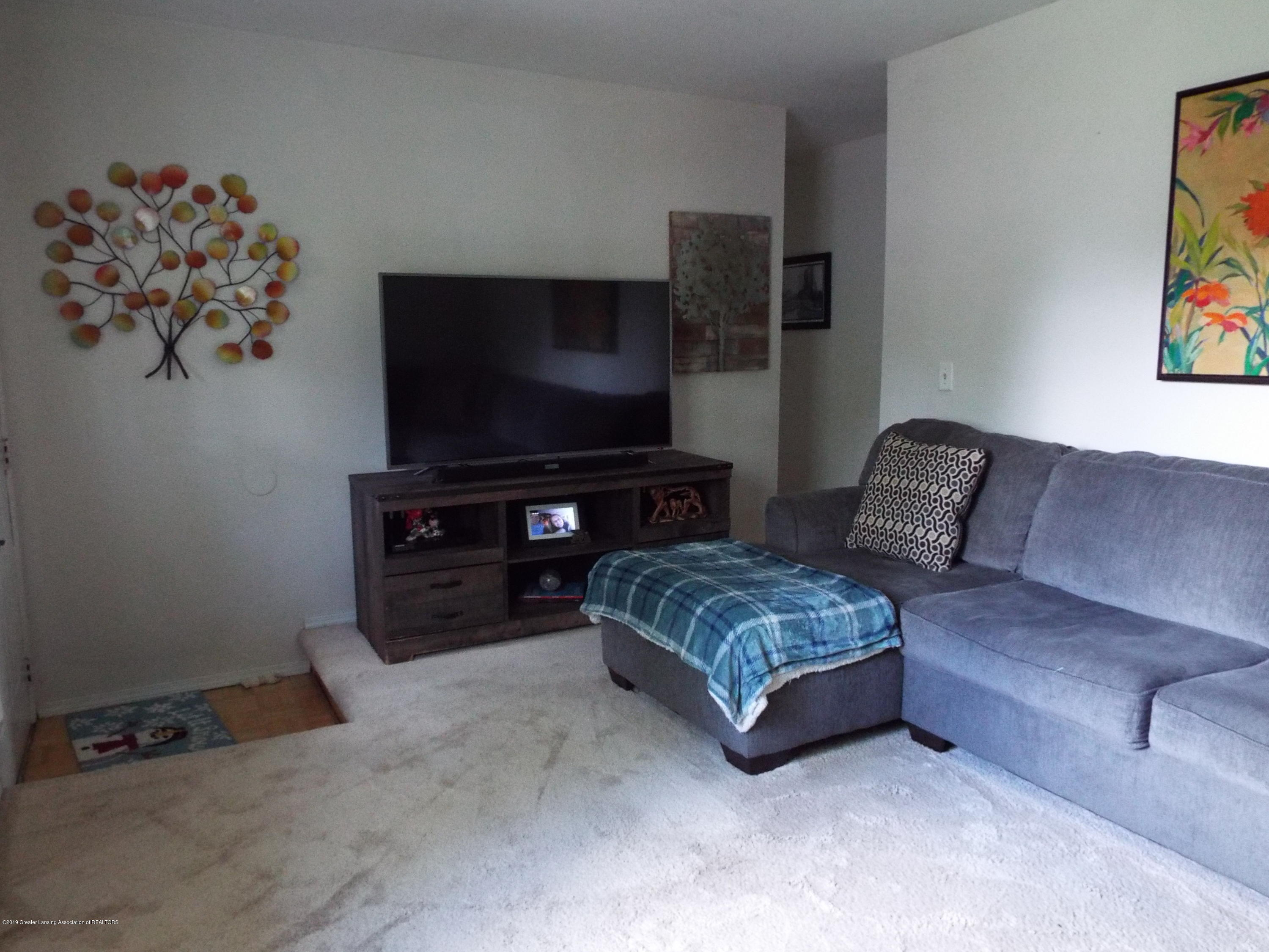 3700 Wedgewood Dr - Living Room - 3