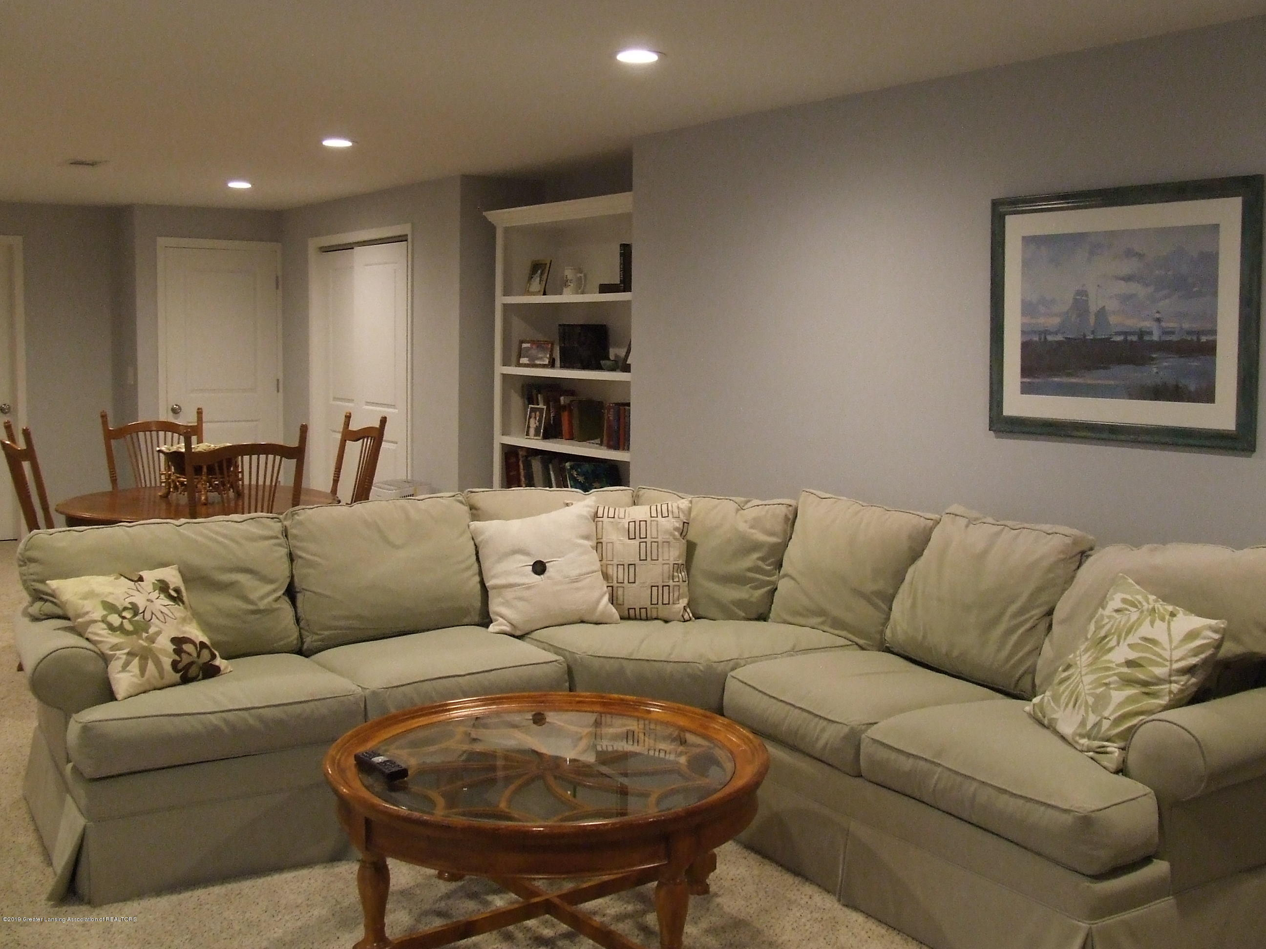 6736 Cotswald Dr - Lower level family room - 19