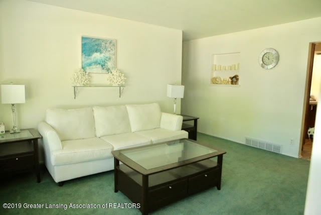 4633 Sycamore St - 2 Living Room - 2