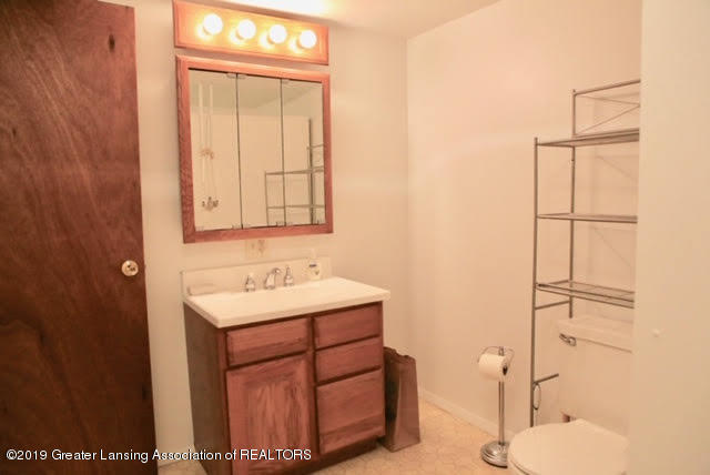 4633 Sycamore St - 10 2nd bathroom - 10