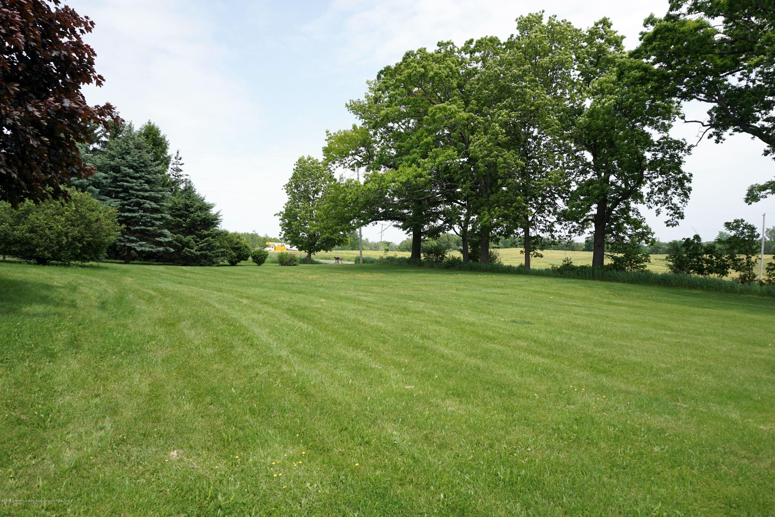 5780 Leland Rd - Big Front Yard - 23