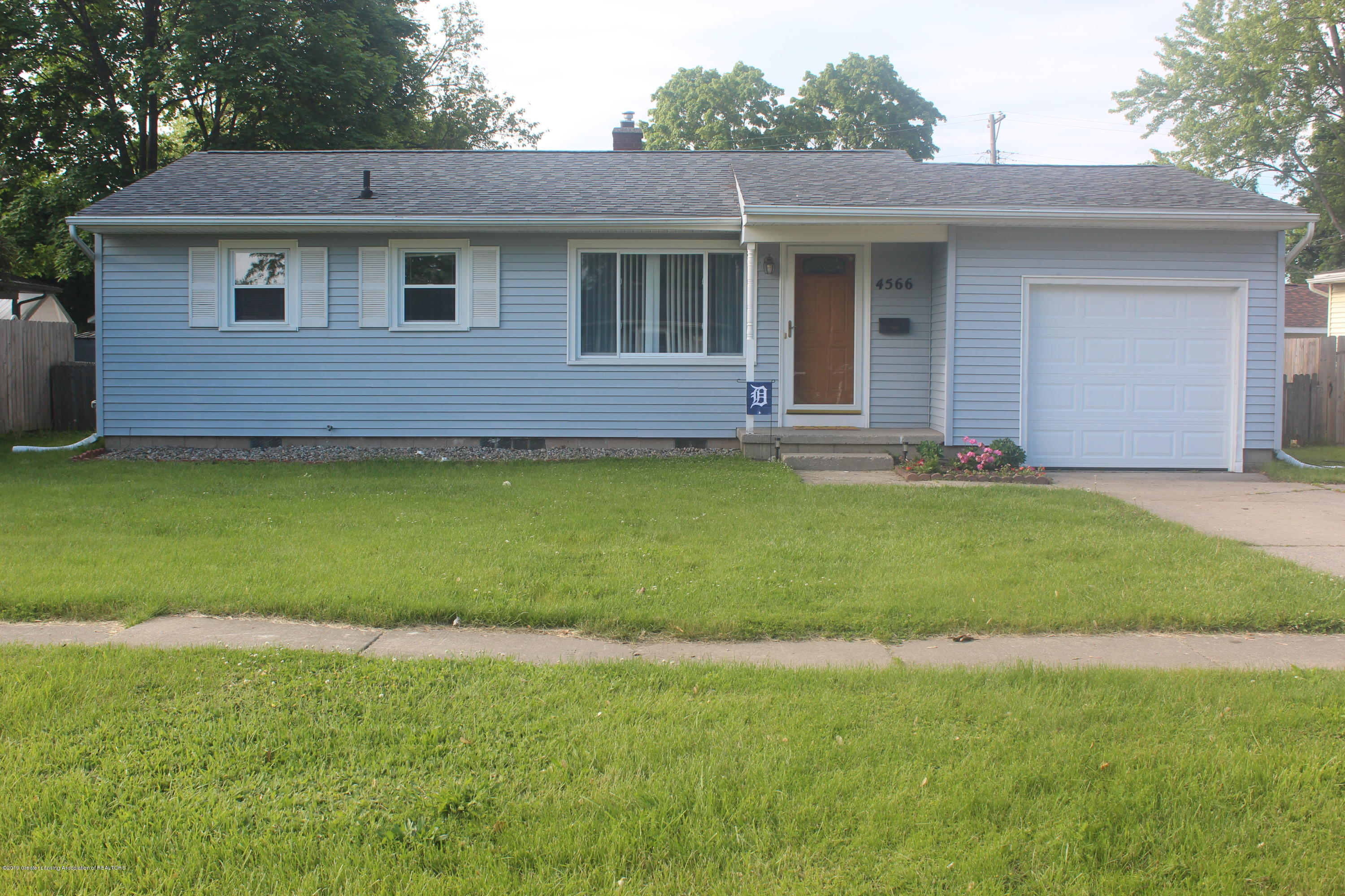 4566 Don St - Front - 1