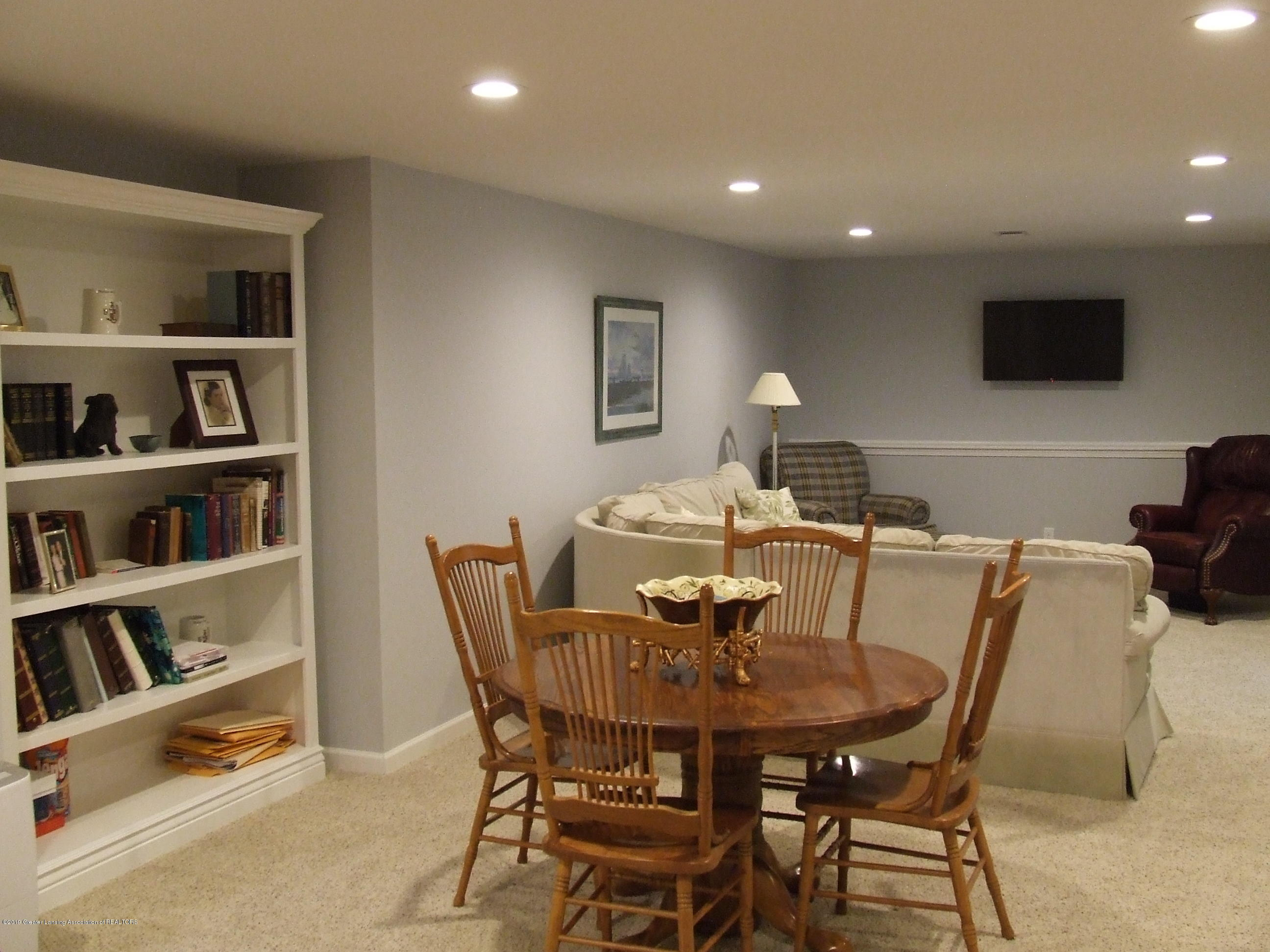 6736 Cotswald Dr - Lower level family room - 20