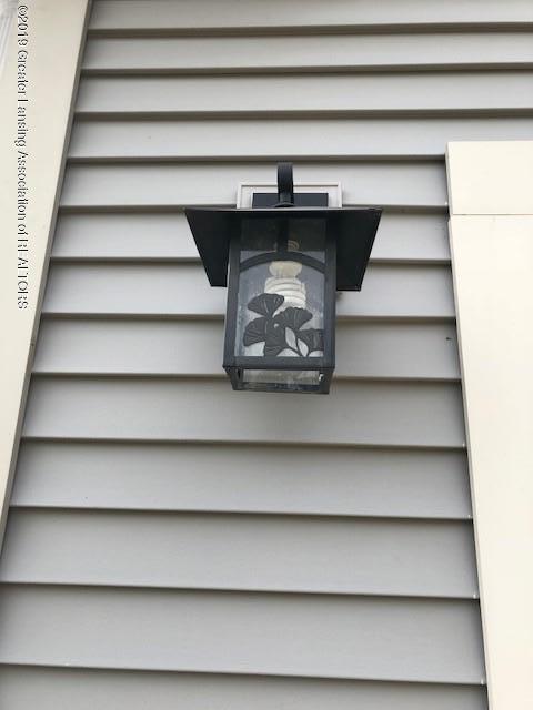 7315 Cross Creek - Light Fixture - 6