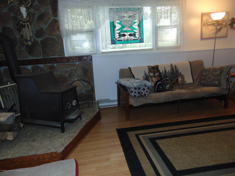 275 S Chester Rd - family room - 8