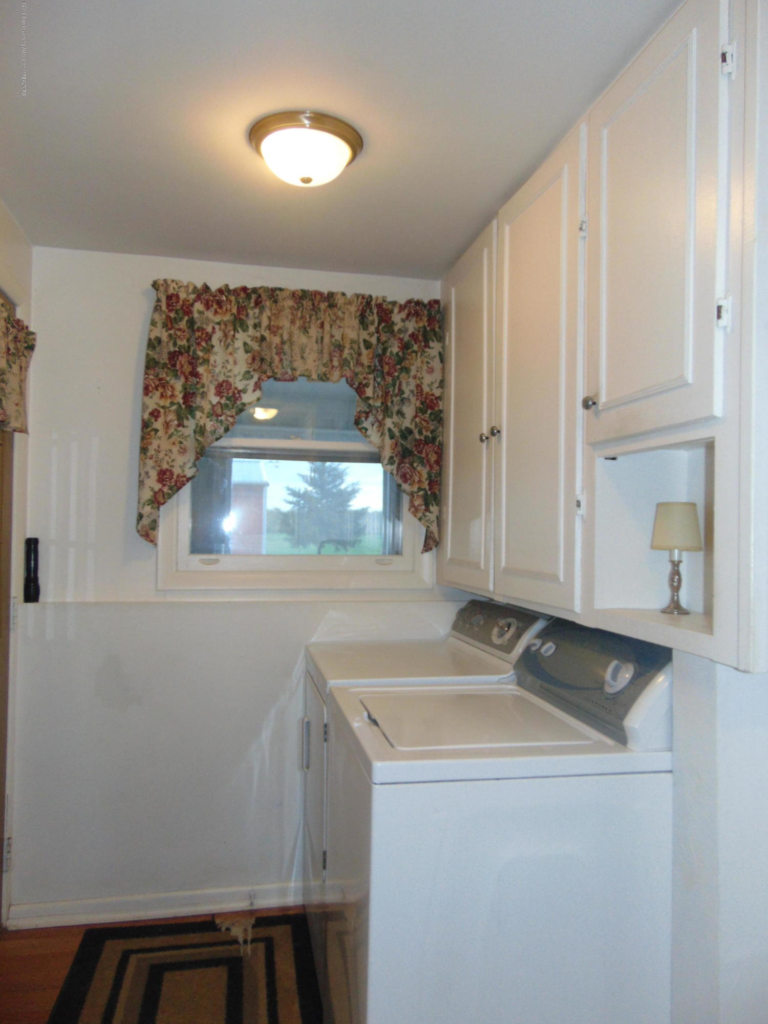 275 S Chester Rd - laundry room - 11