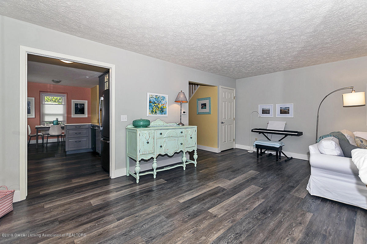 1544 Winchell Ct - LIVING ROOM - 5