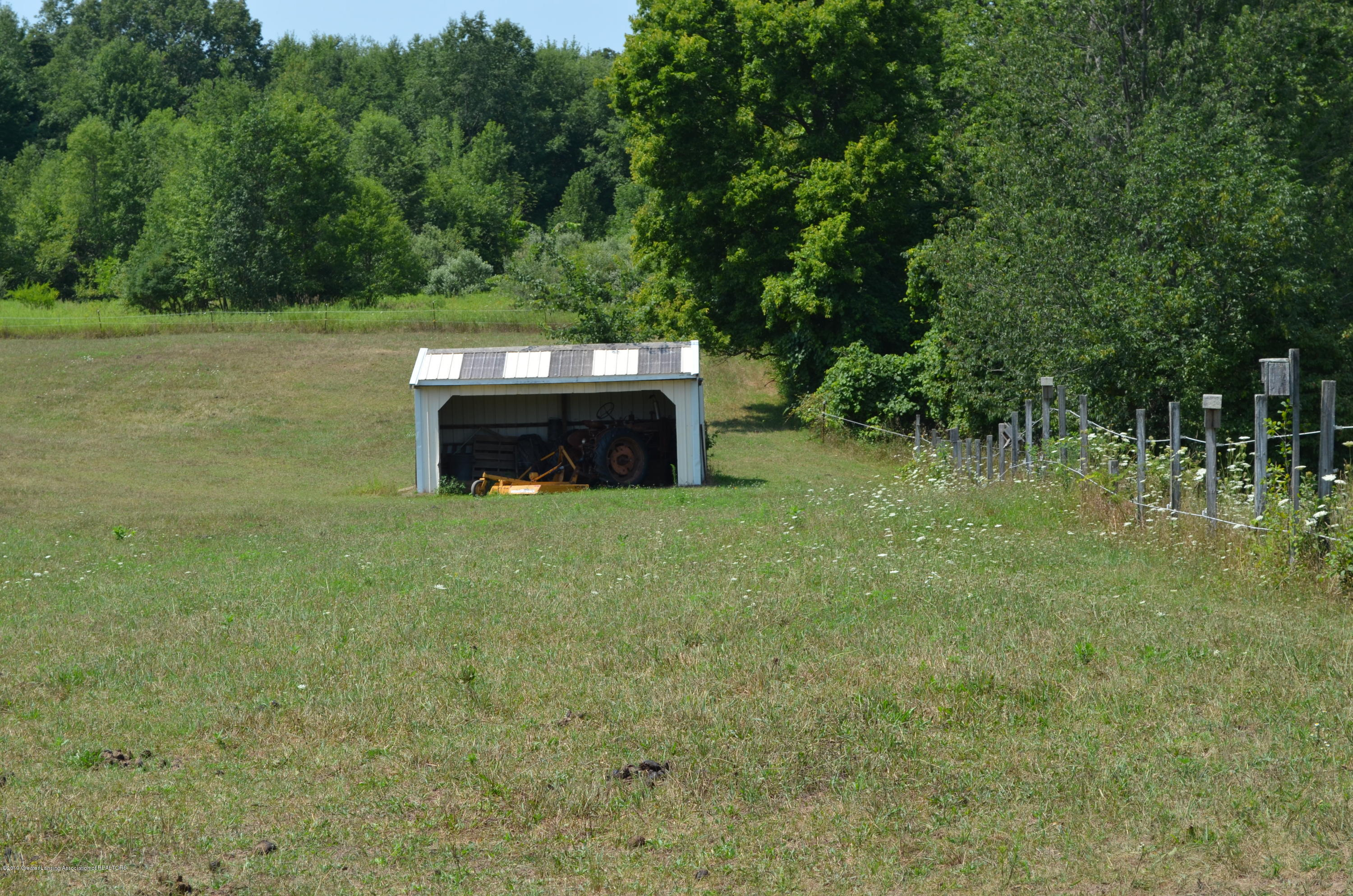 693 Grovenburg Rd - 3 Sided Shelter - 68