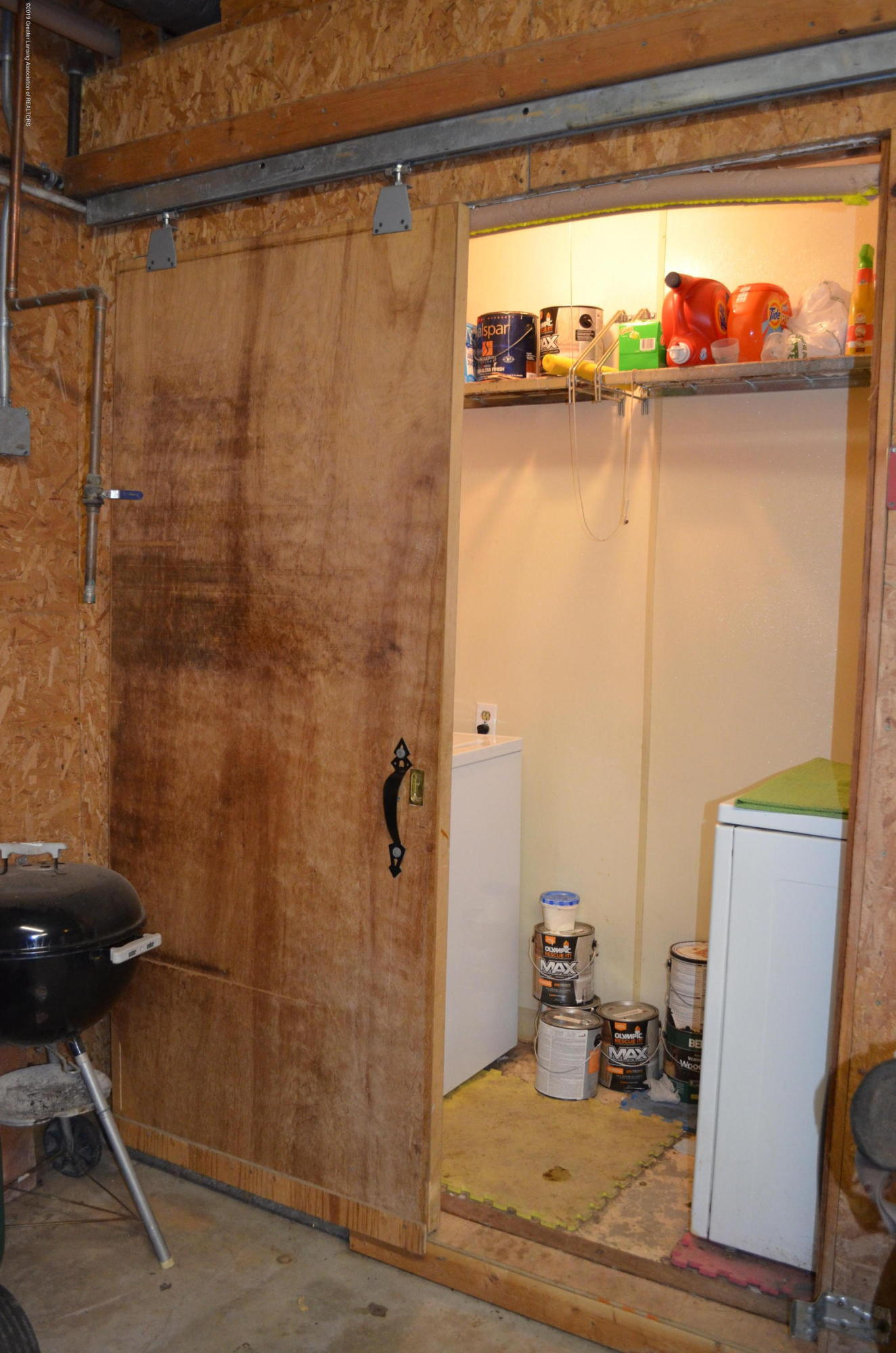693 Grovenburg Rd - Barn Washer/Dryer - 55
