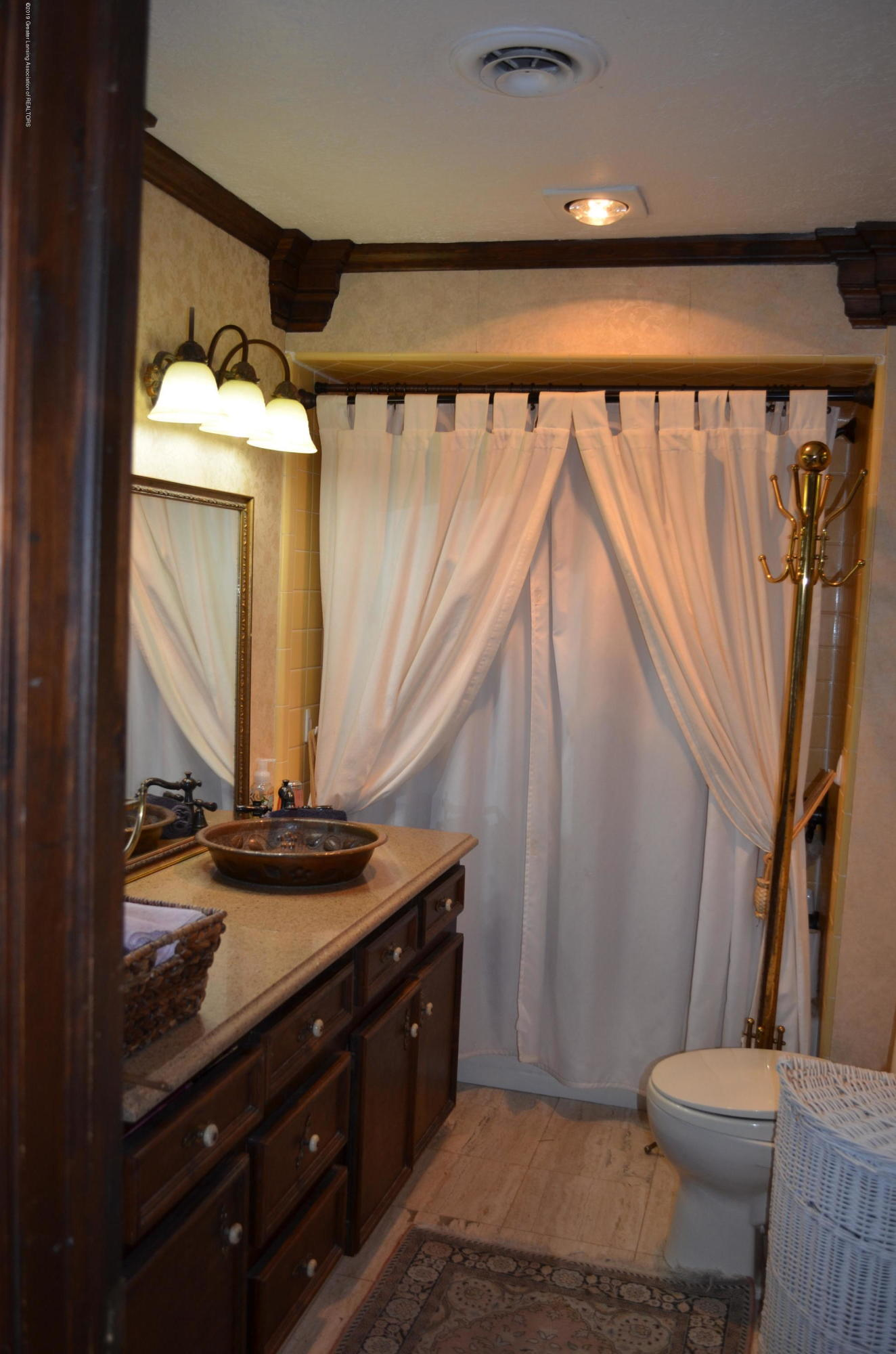 693 Grovenburg Rd - Master Bath - 29