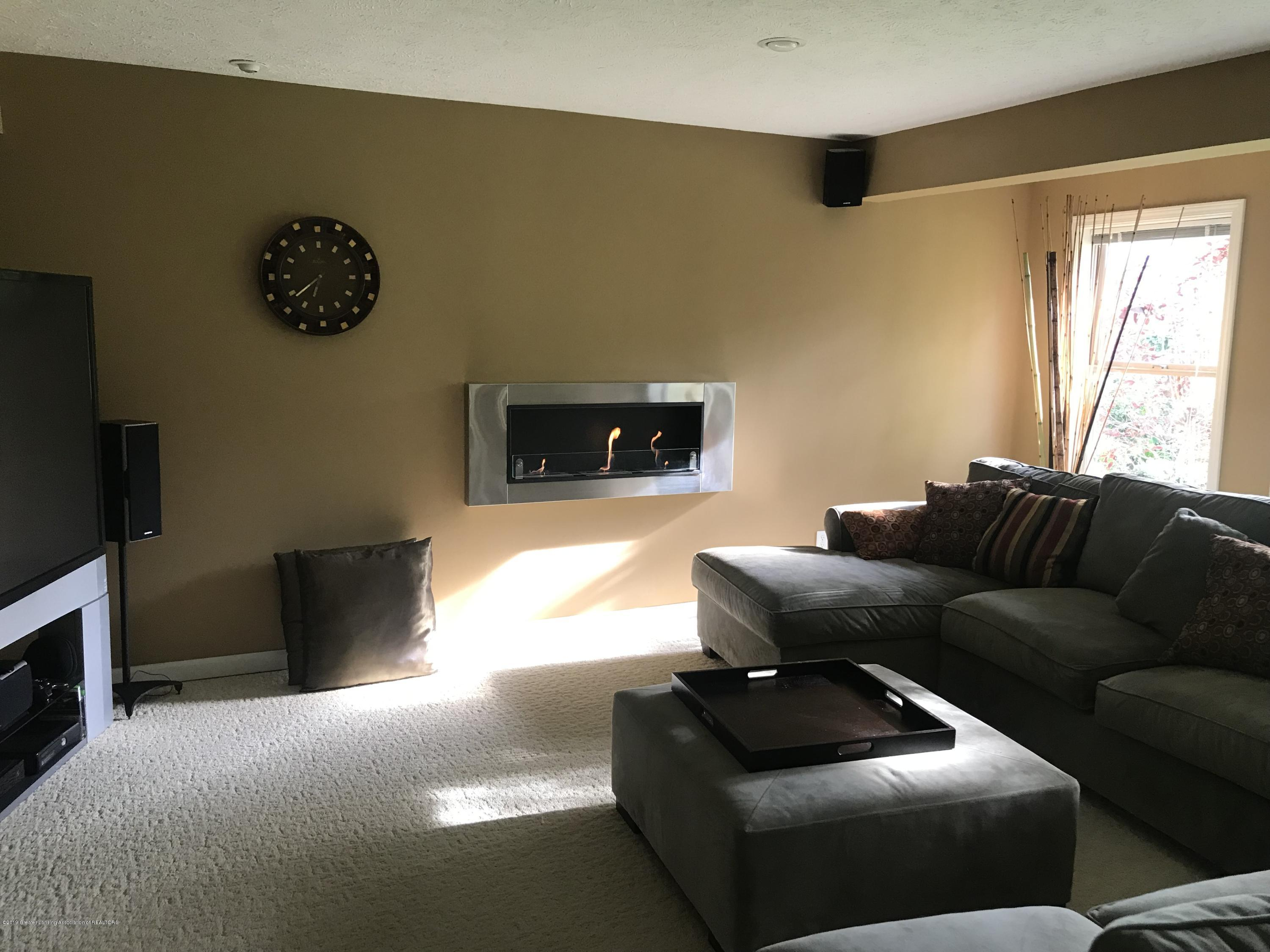 11587 Gold Fields Dr - Family room - 22