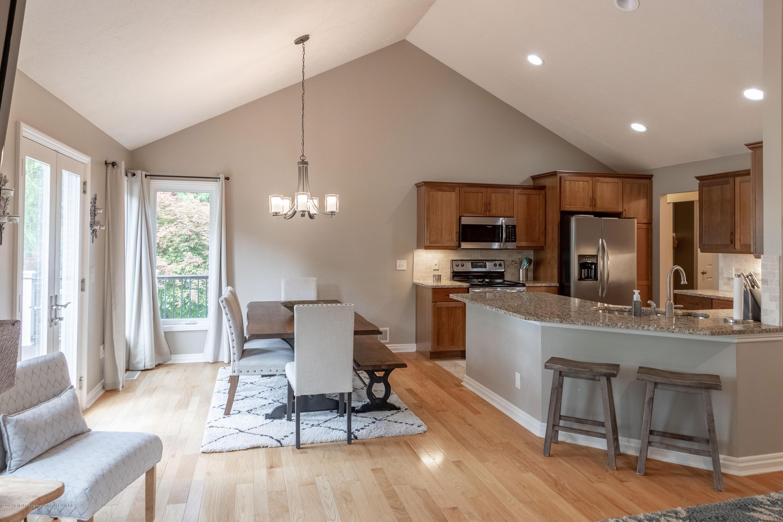 7315 Cross Creek - Kitchen/Dining Room - 16