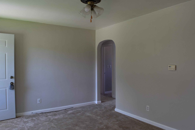 619 Hunter Blvd - 04 Living Room 3 - 4