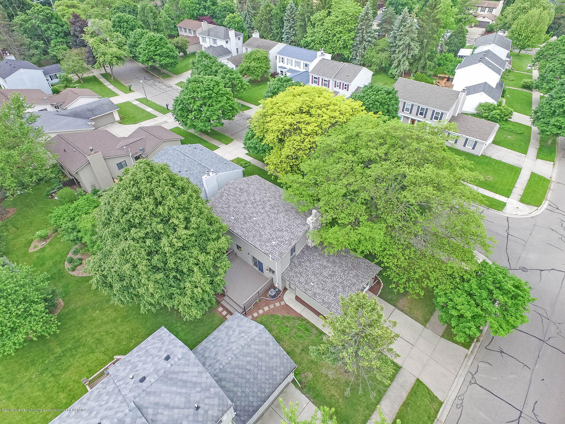 992 Touraine Ave - DJI_0010 - 44