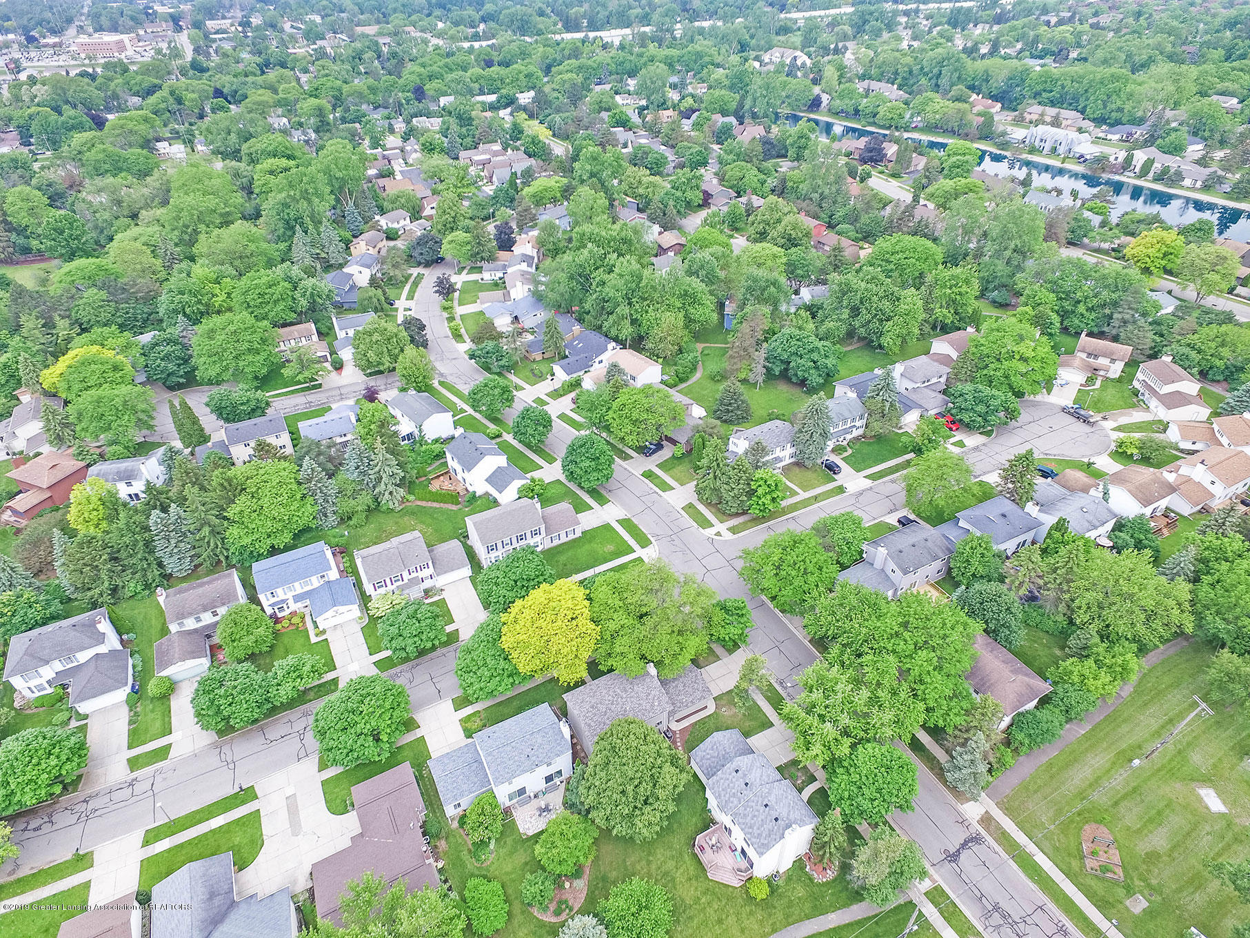 992 Touraine Ave - DJI_0022 - 47