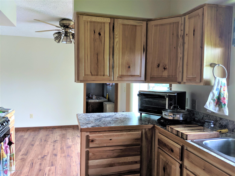 6111 S Morrice Rd - kitchen - 13