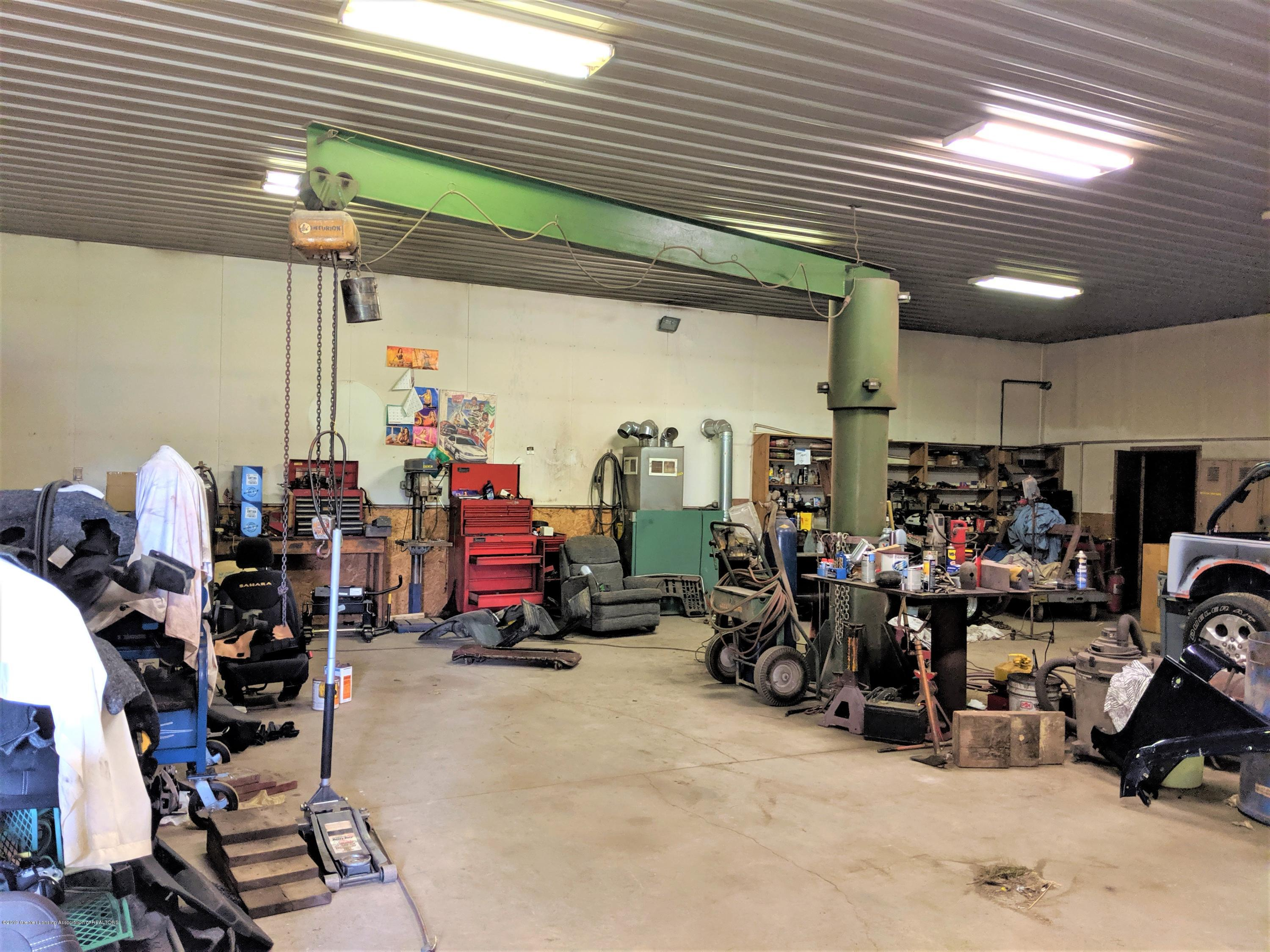 6111 S Morrice Rd - shop with crane - 22