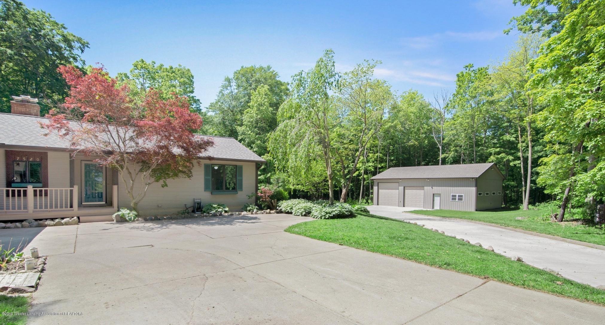 7520 Carmel Ln - Home, Pole Barn & Acreage - 3