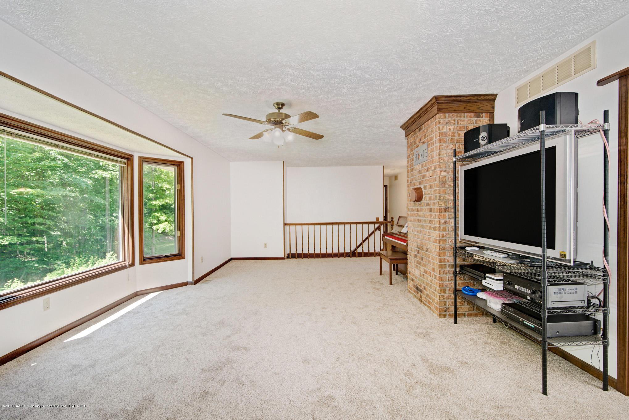 7520 Carmel Ln - Living Room 1 - 12