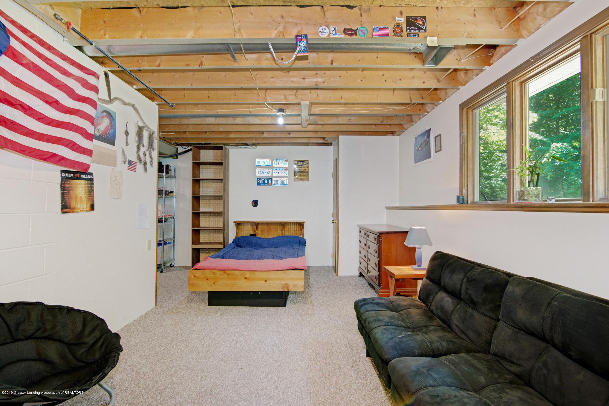 7520 Carmel Ln - Bonus Room - 23