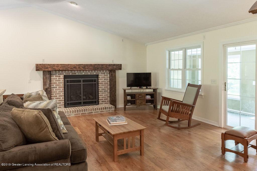 4715 Van Atta Rd - Living Room - 18