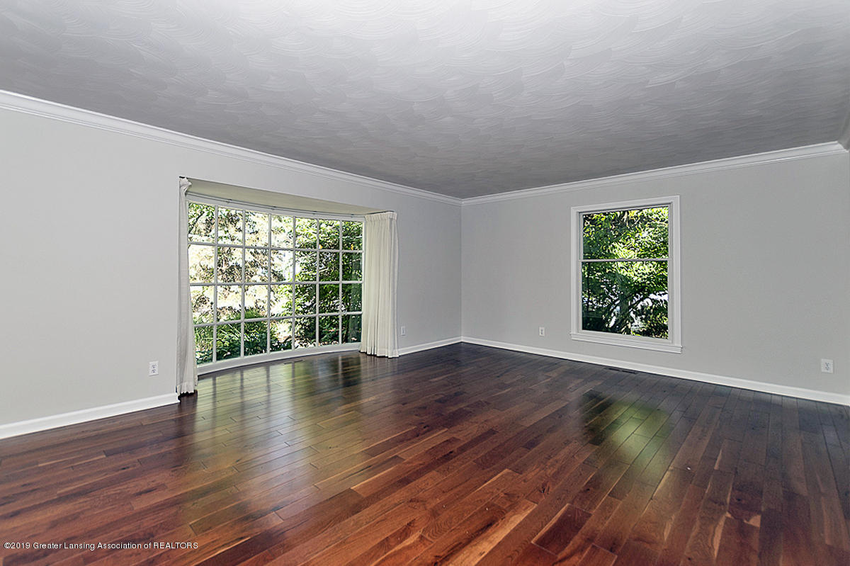 1720 Foxcroft Rd - Living Room - 6