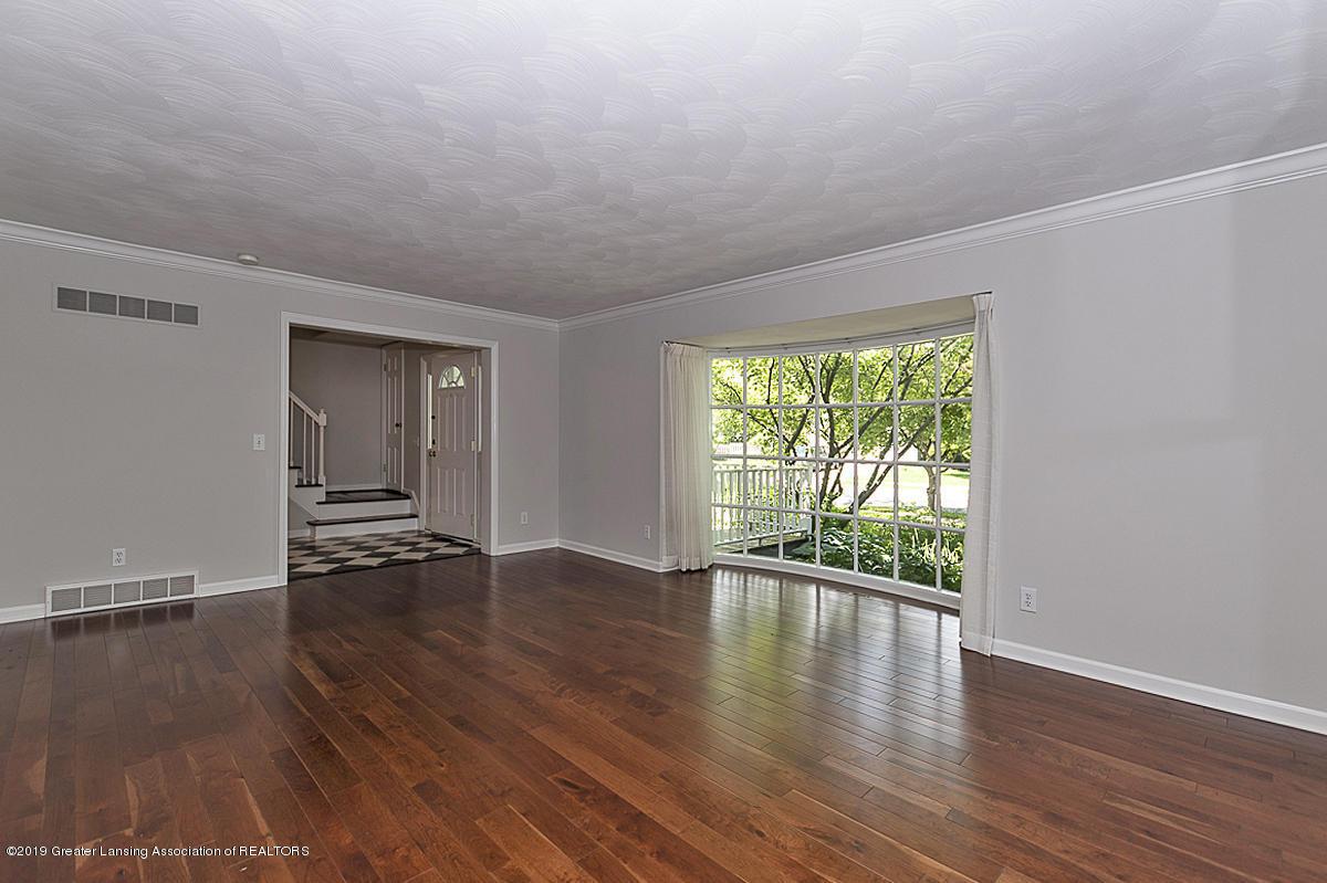 1720 Foxcroft Rd - Living Room - 4