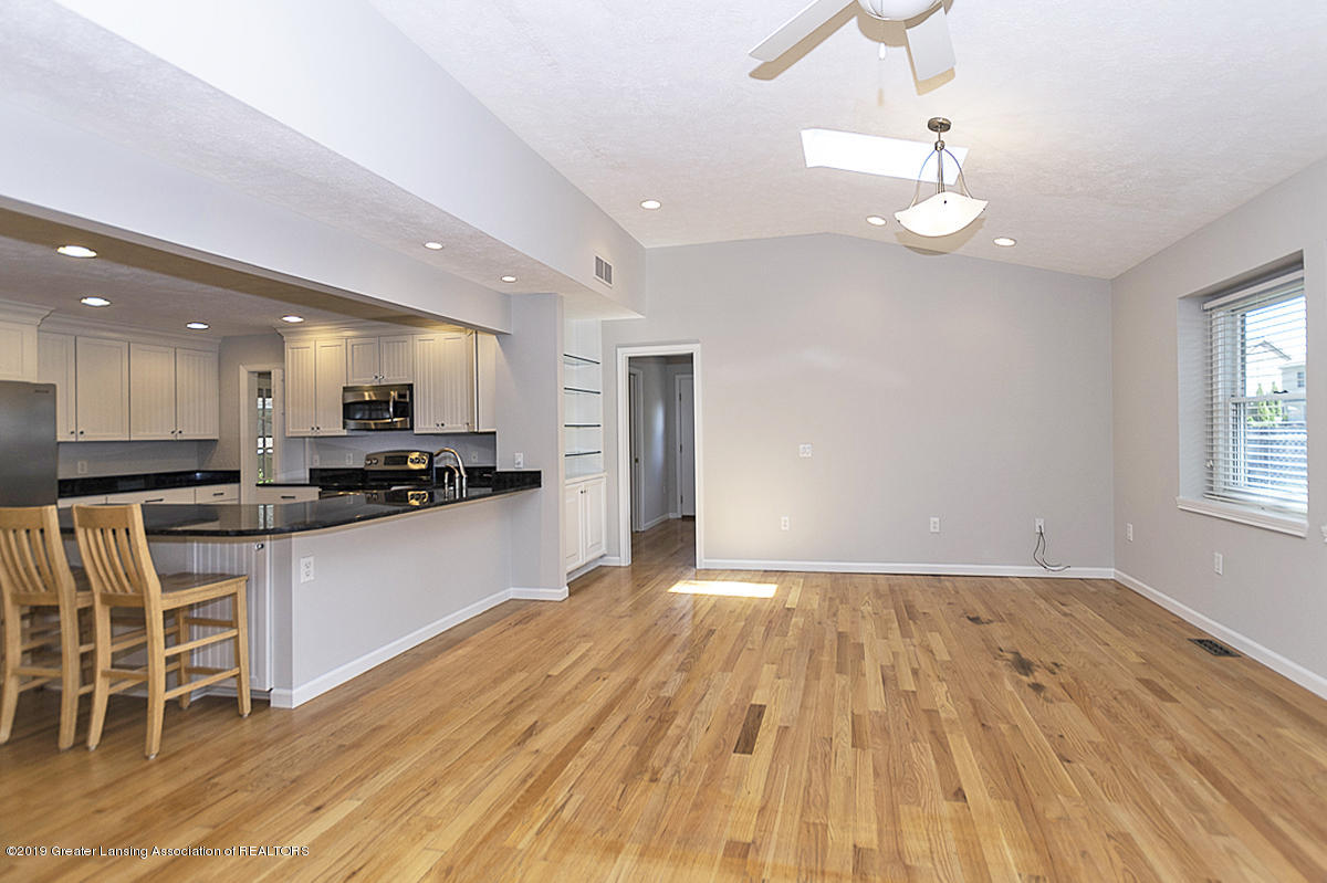 1720 Foxcroft Rd - Great Room - 20