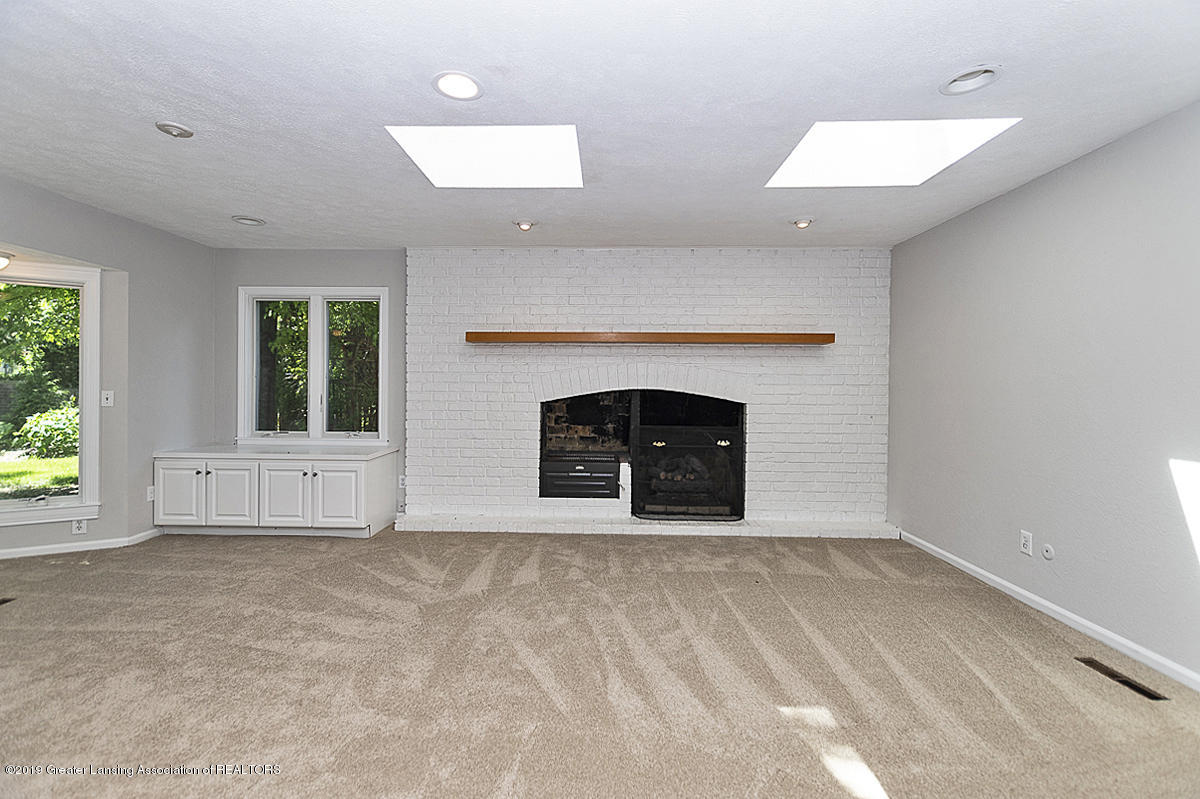 1720 Foxcroft Rd - Family Room - 23