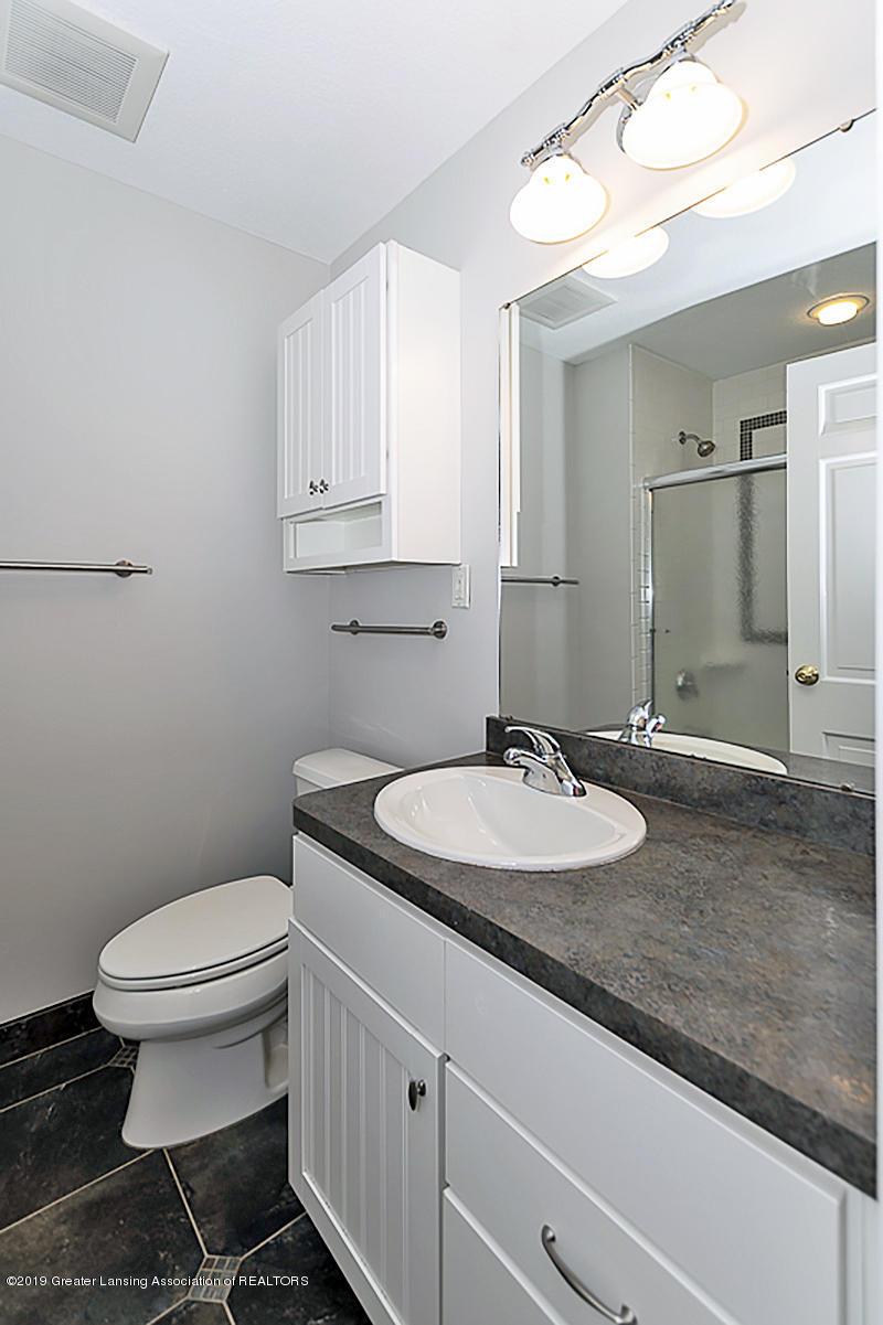1720 Foxcroft Rd - Main Bath - 39