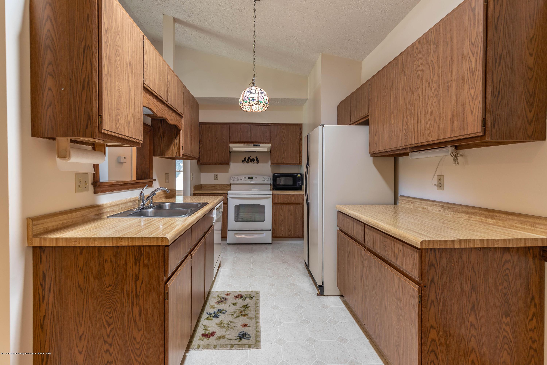 2801 Trudy Ln Unit 7 - Kitchen - 11