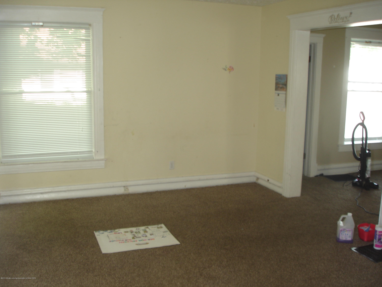 1222 W Ionia St - Living Room - 5