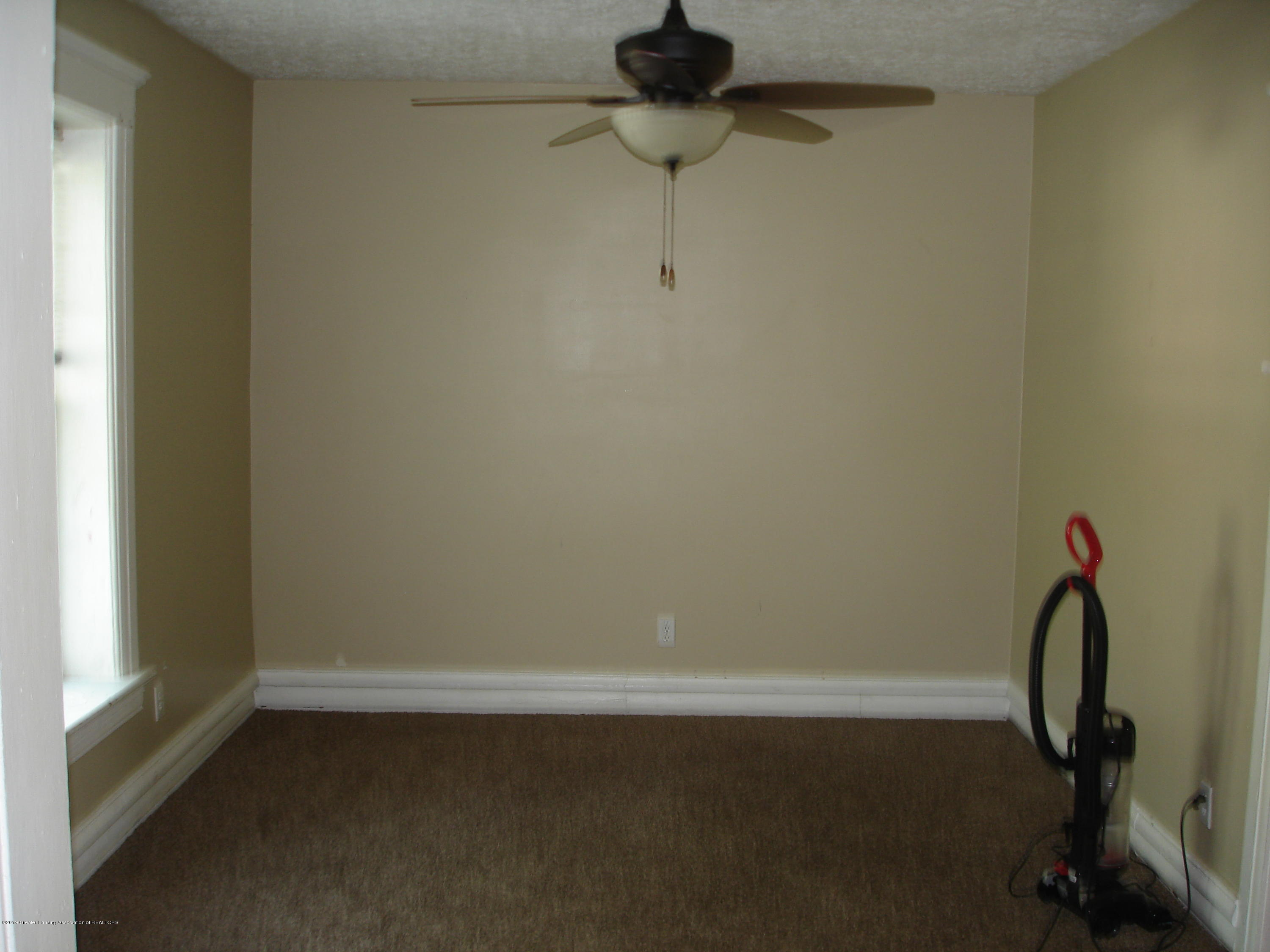 1222 W Ionia St - Dining Room - 6