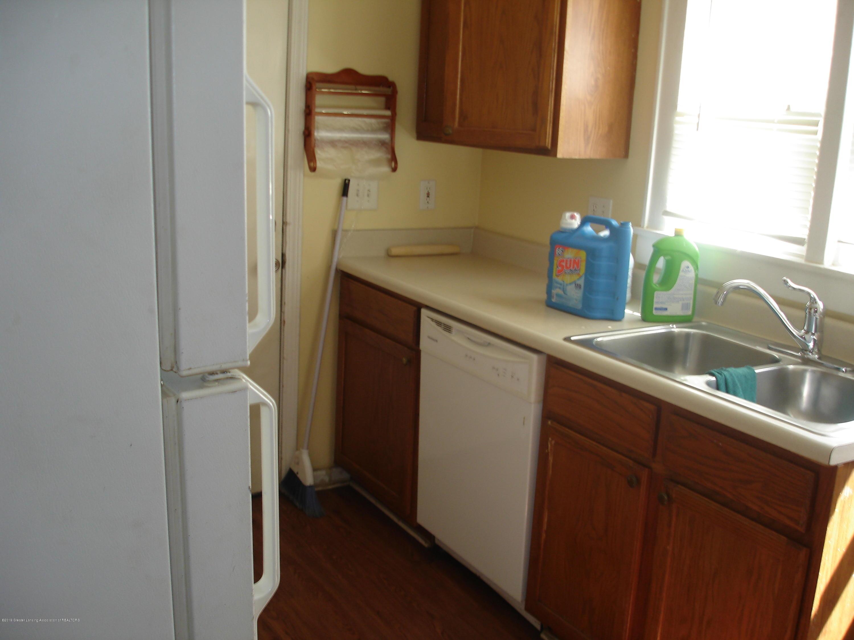 1222 W Ionia St - Kitchen - 7