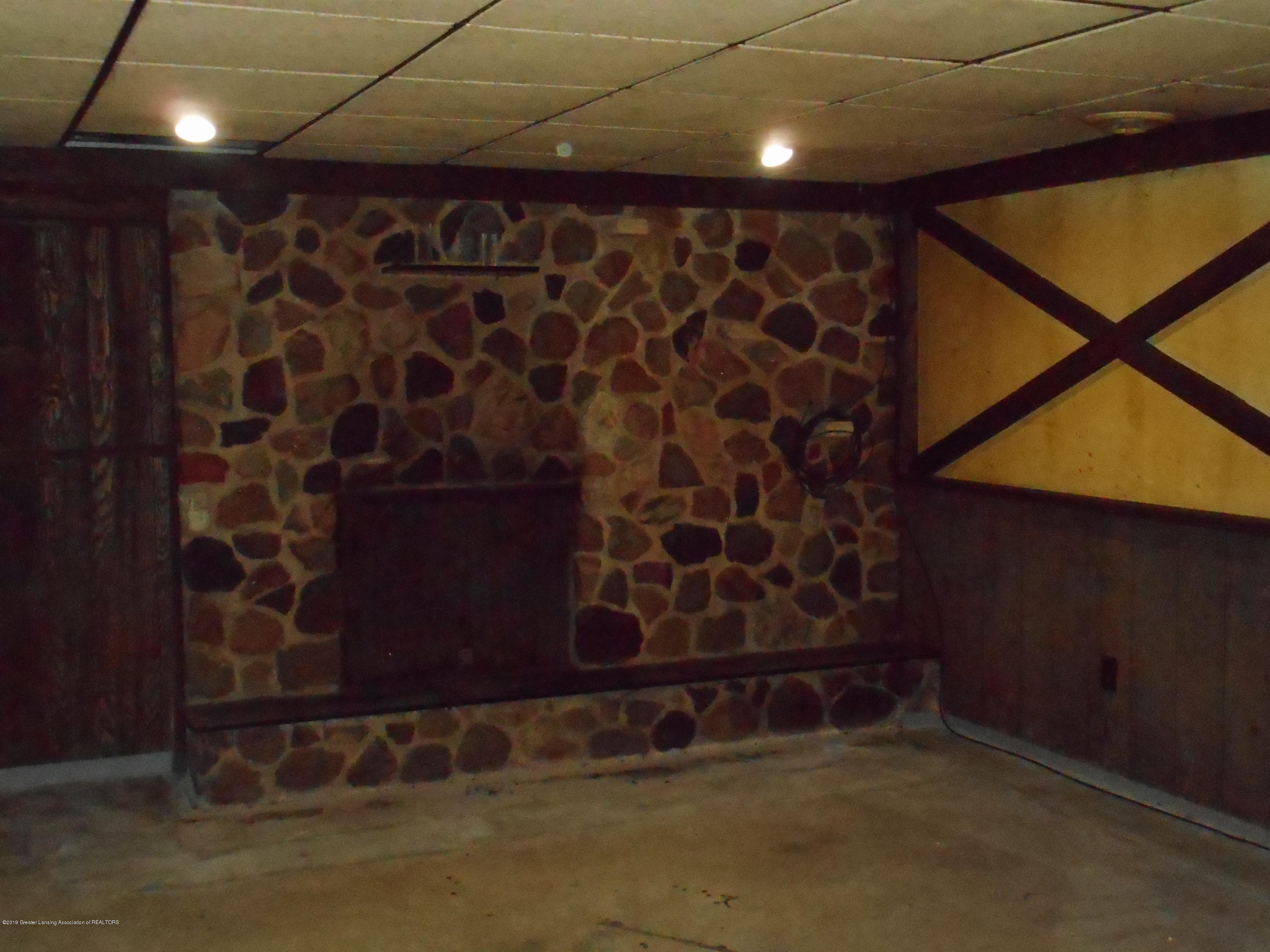 3912 Walton Dr - Fire Place in LL - 37