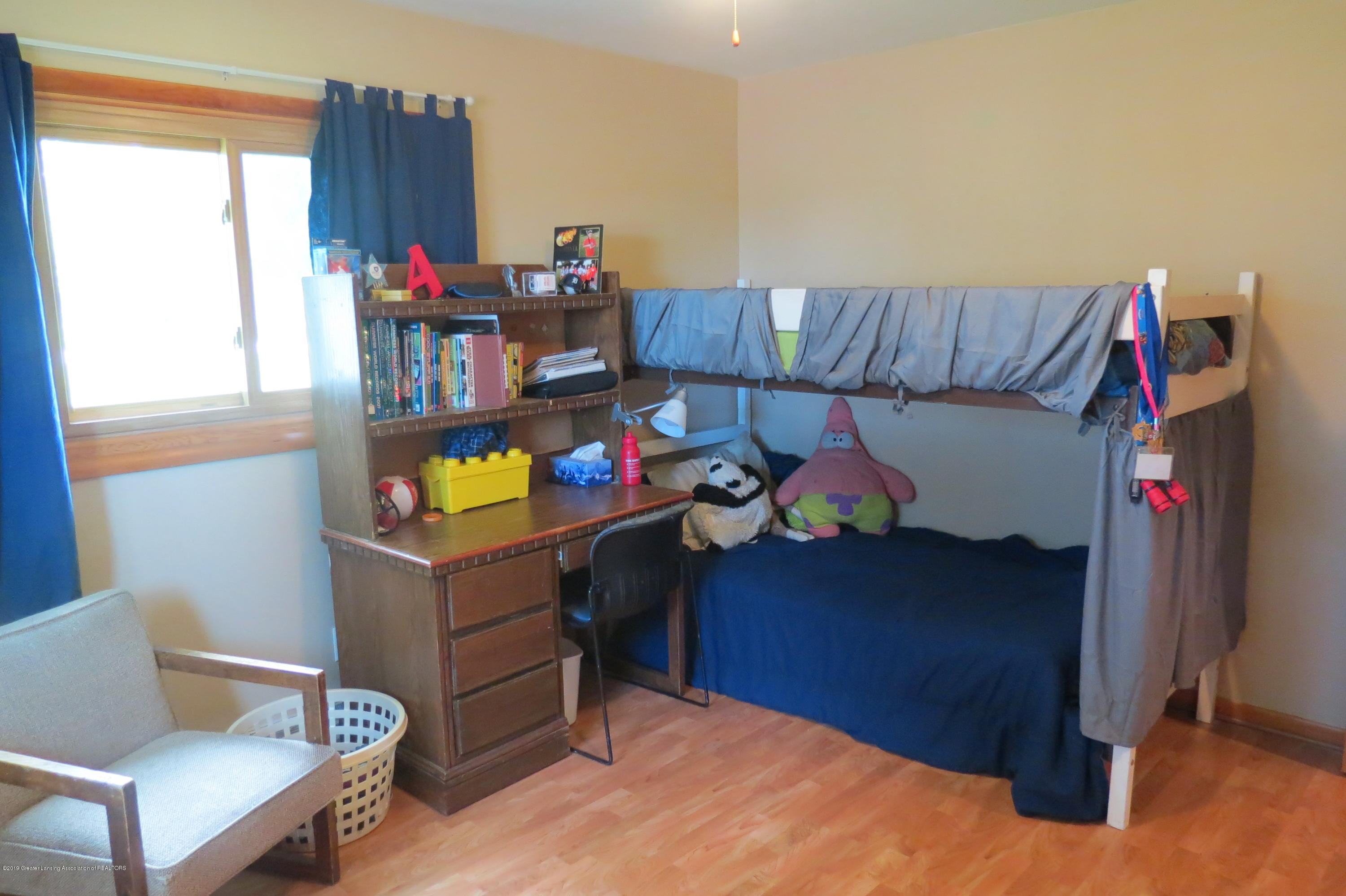 4007 N Shepardsville Rd - Bedroom - 22