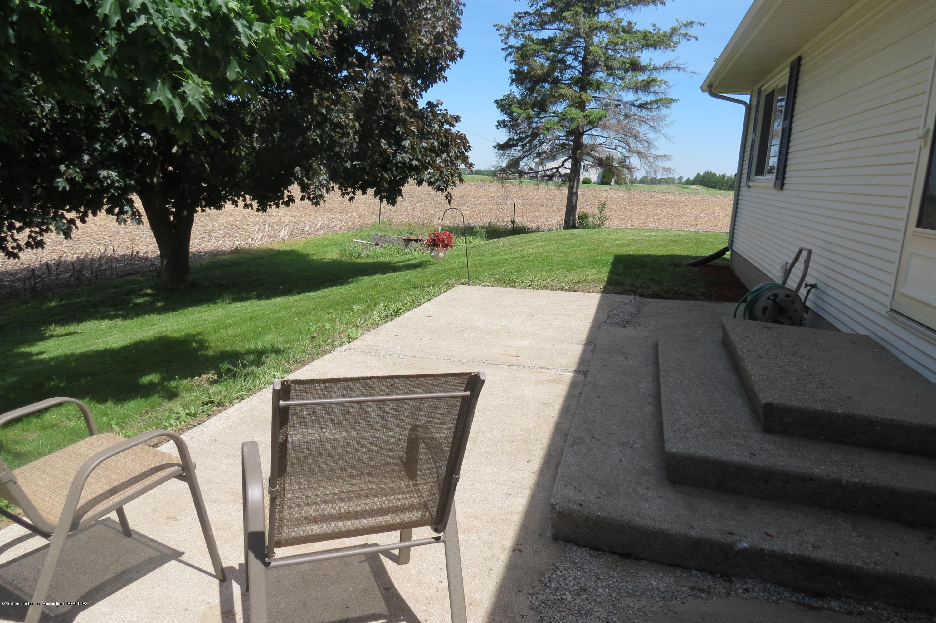 4007 N Shepardsville Rd - Patio - 34