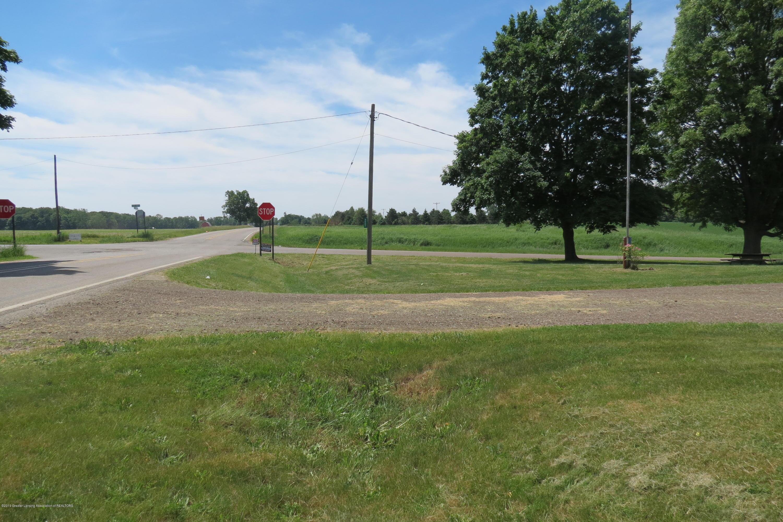 4007 N Shepardsville Rd - Front Yard - 39