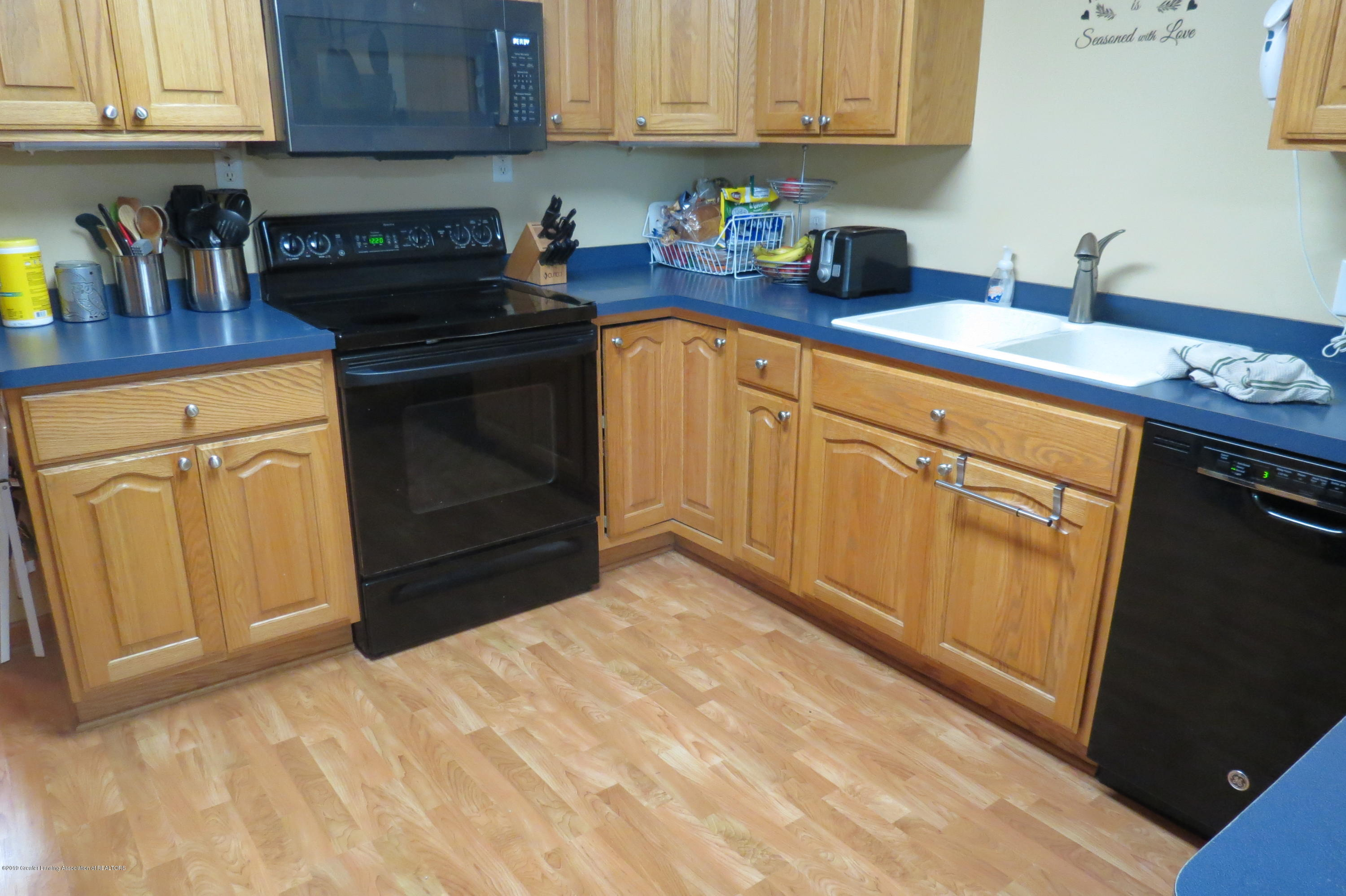 4007 N Shepardsville Rd - Kitchen - 2