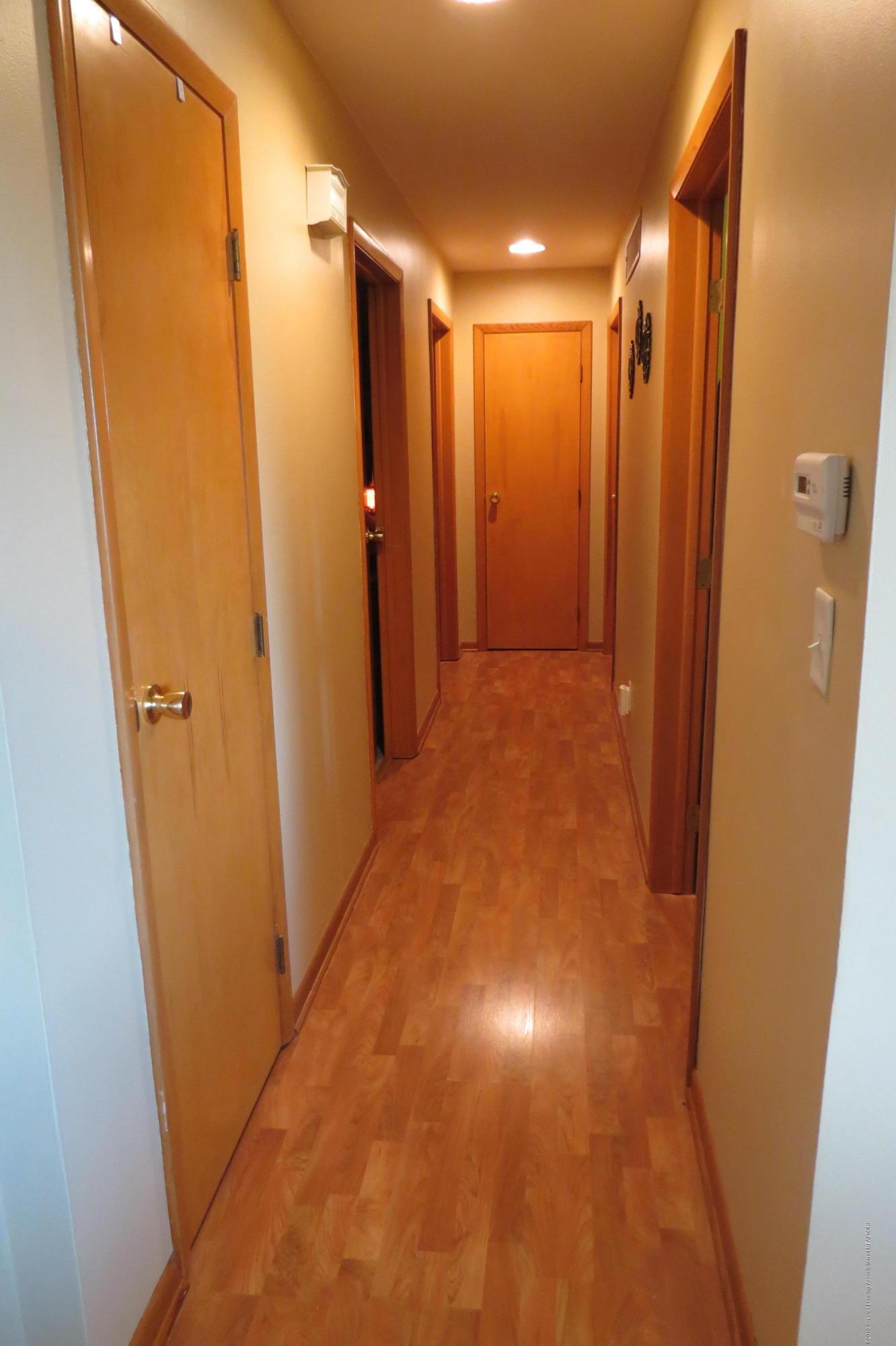 4007 N Shepardsville Rd - Hallway - 12