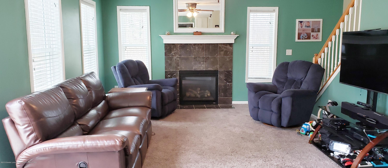 11677 Highland Ct - Living Room - 5