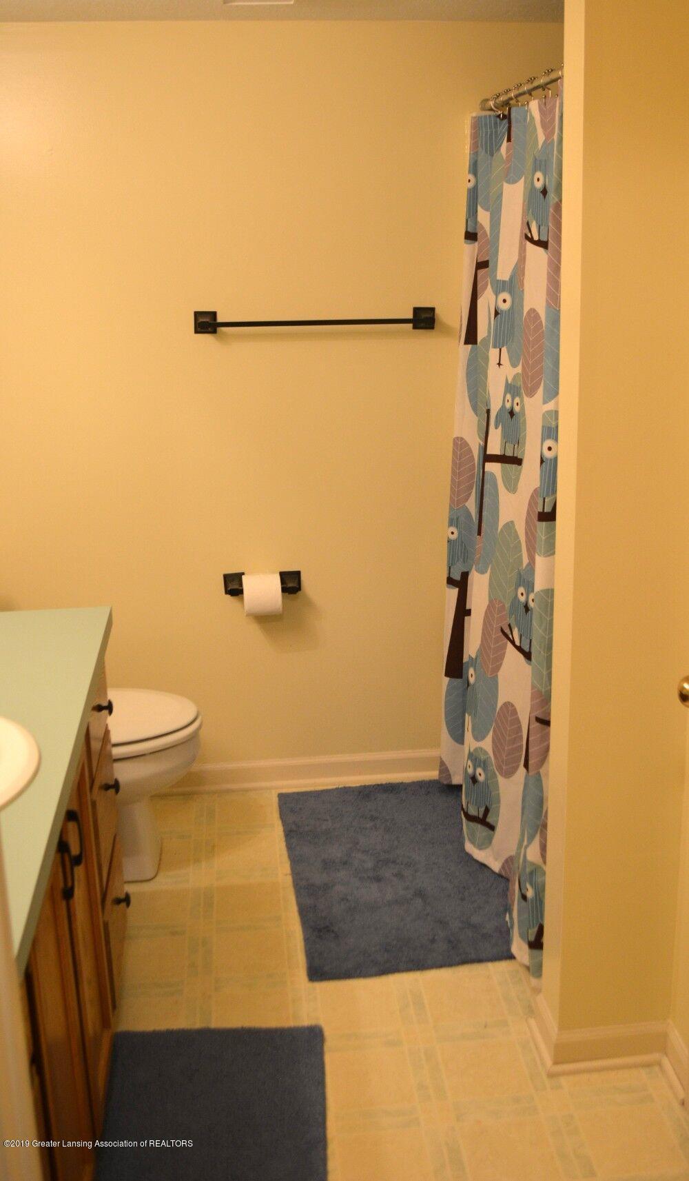 1319 Brookside Dr - Bathroom - 16