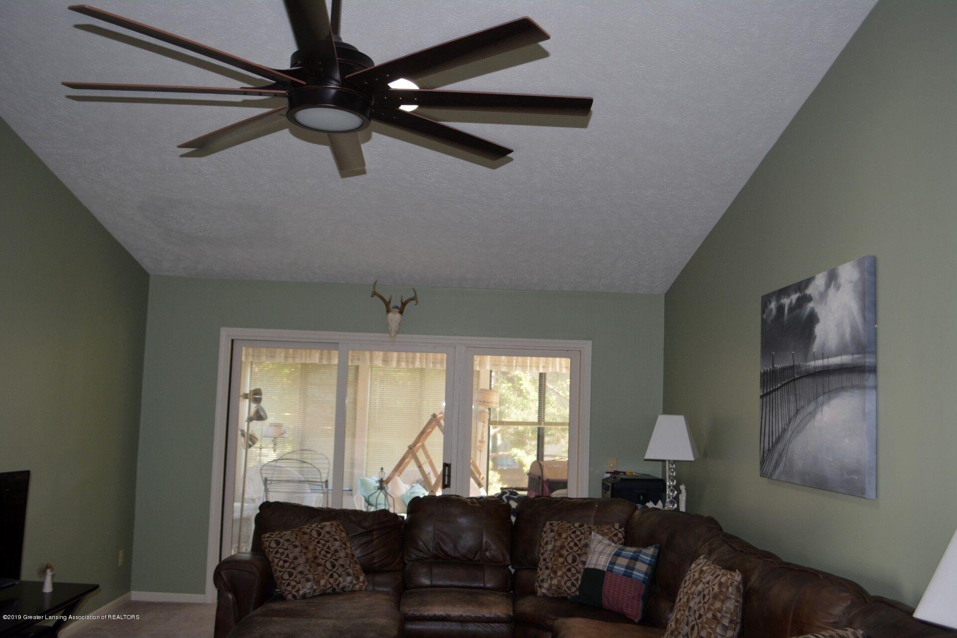 1319 Brookside Dr - Living Room - 8