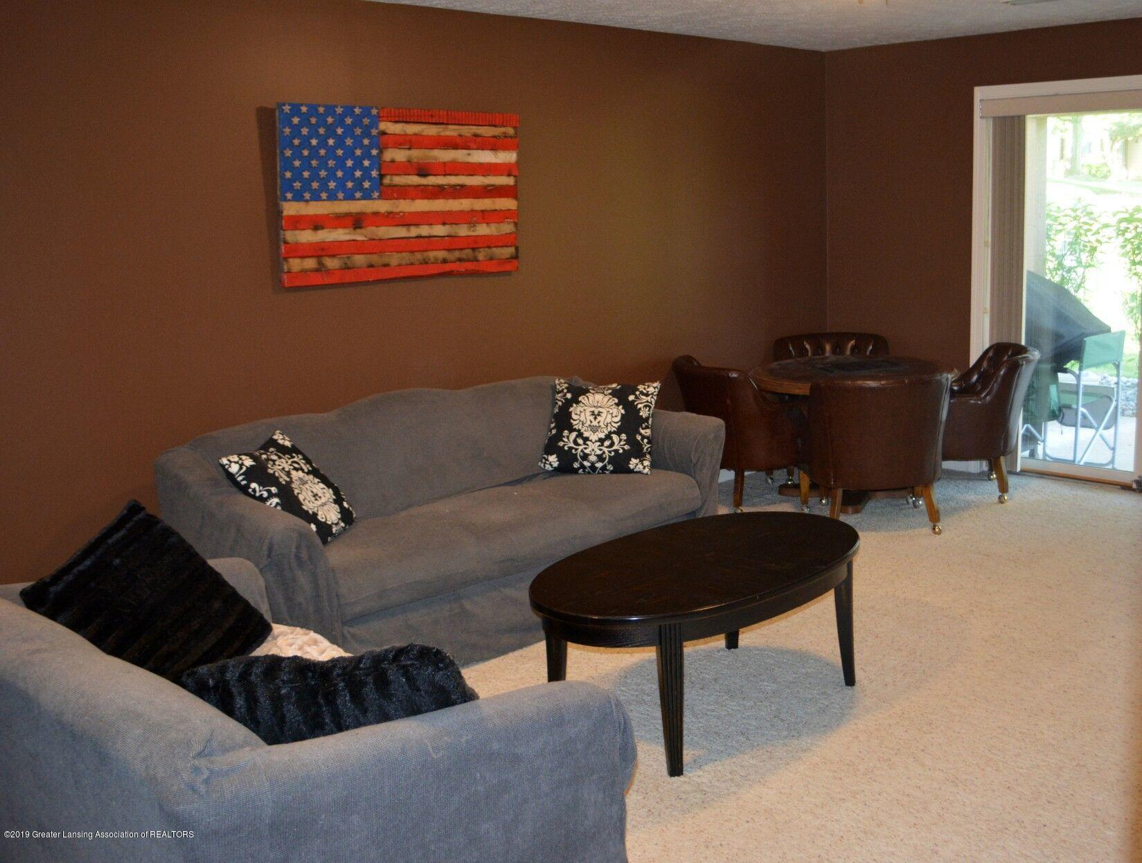 1319 Brookside Dr - Family Room - 10