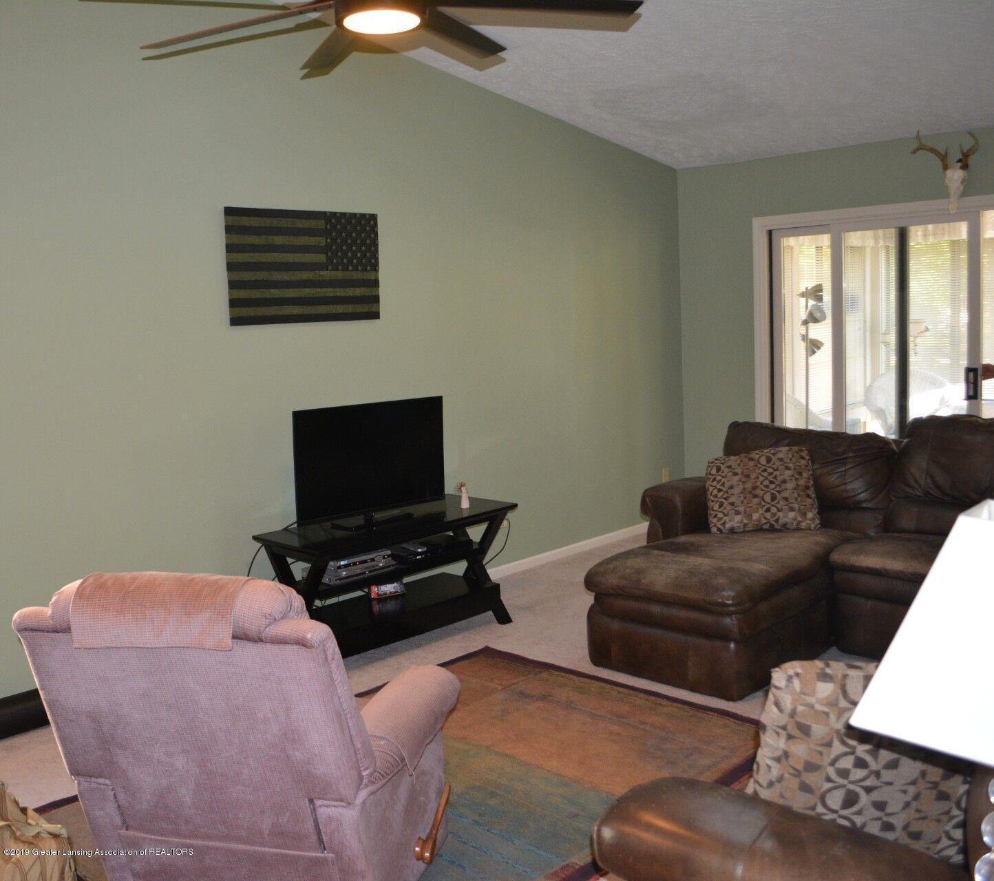 1319 Brookside Dr - Living Room - 7