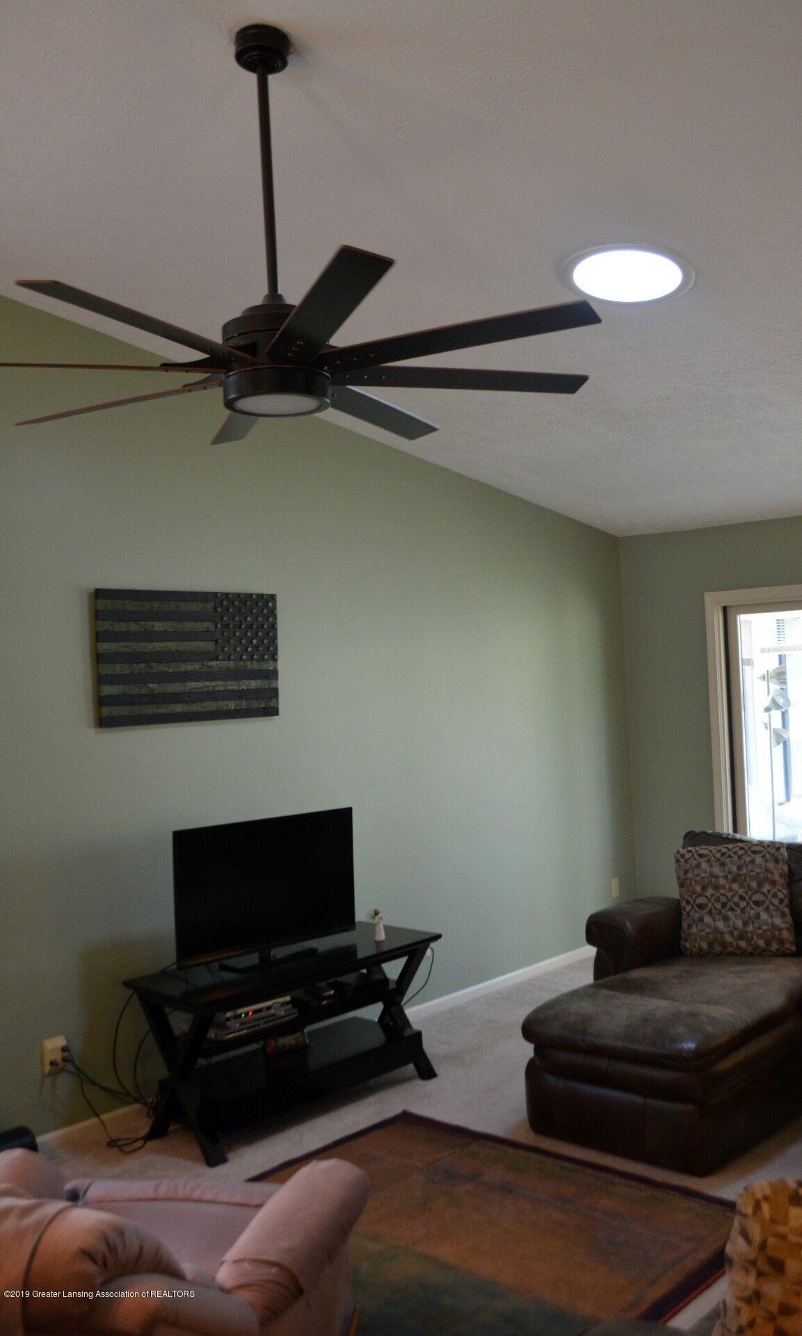 1319 Brookside Dr - Living Room - 9