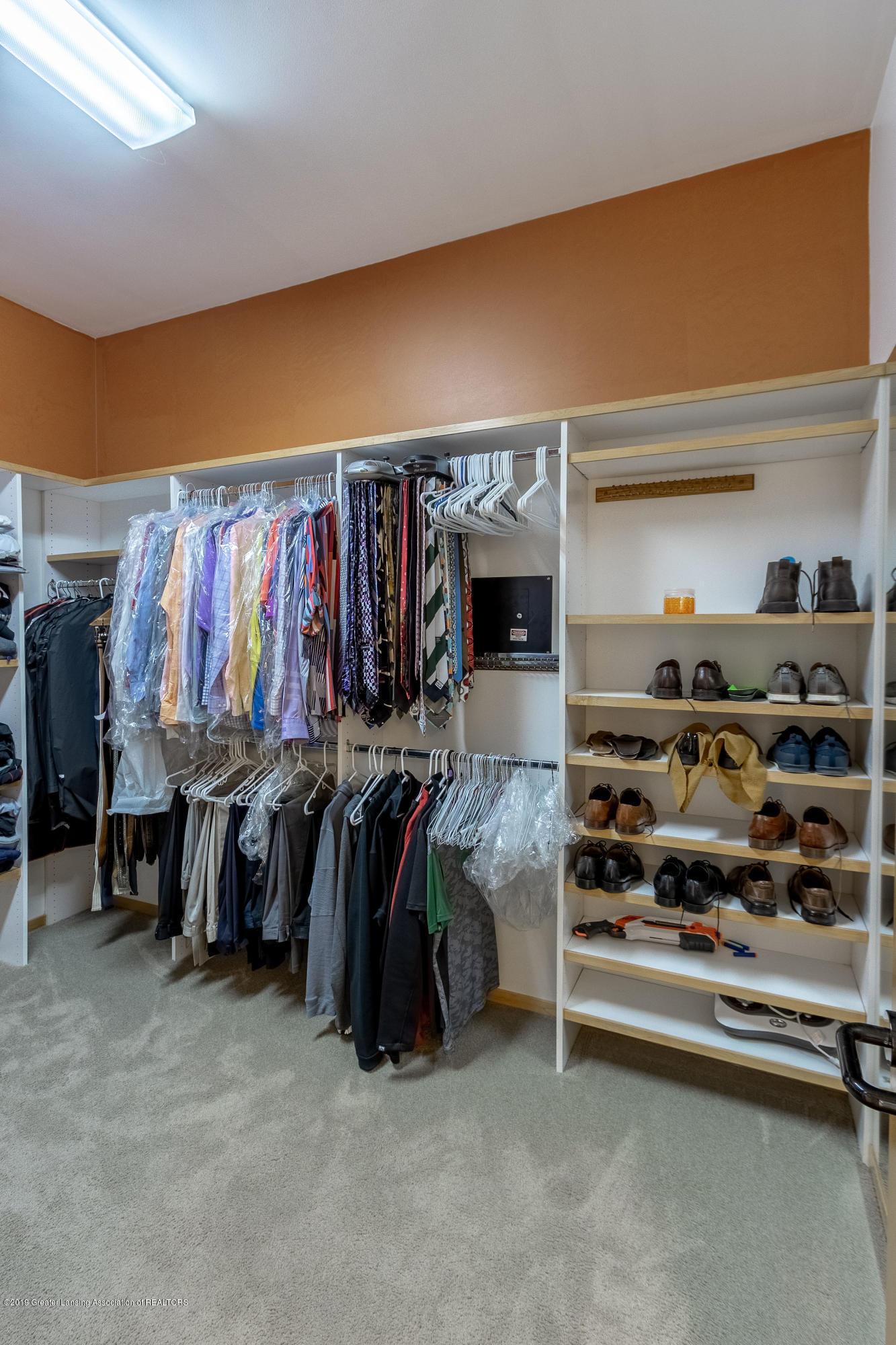 4435 Oak Pointe Ct - Master Walk-In Closet - 46
