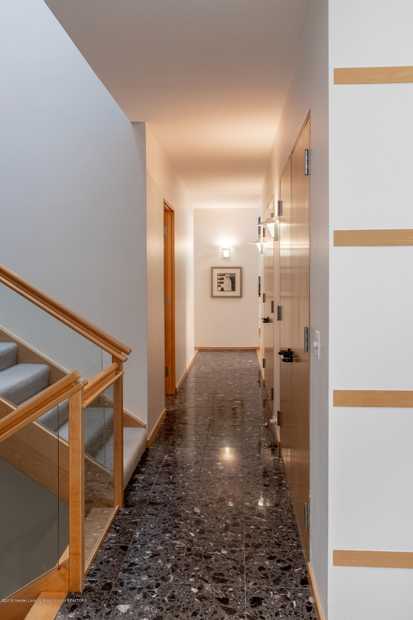 4435 Oak Pointe Ct - Stairs to Upper Level - 53